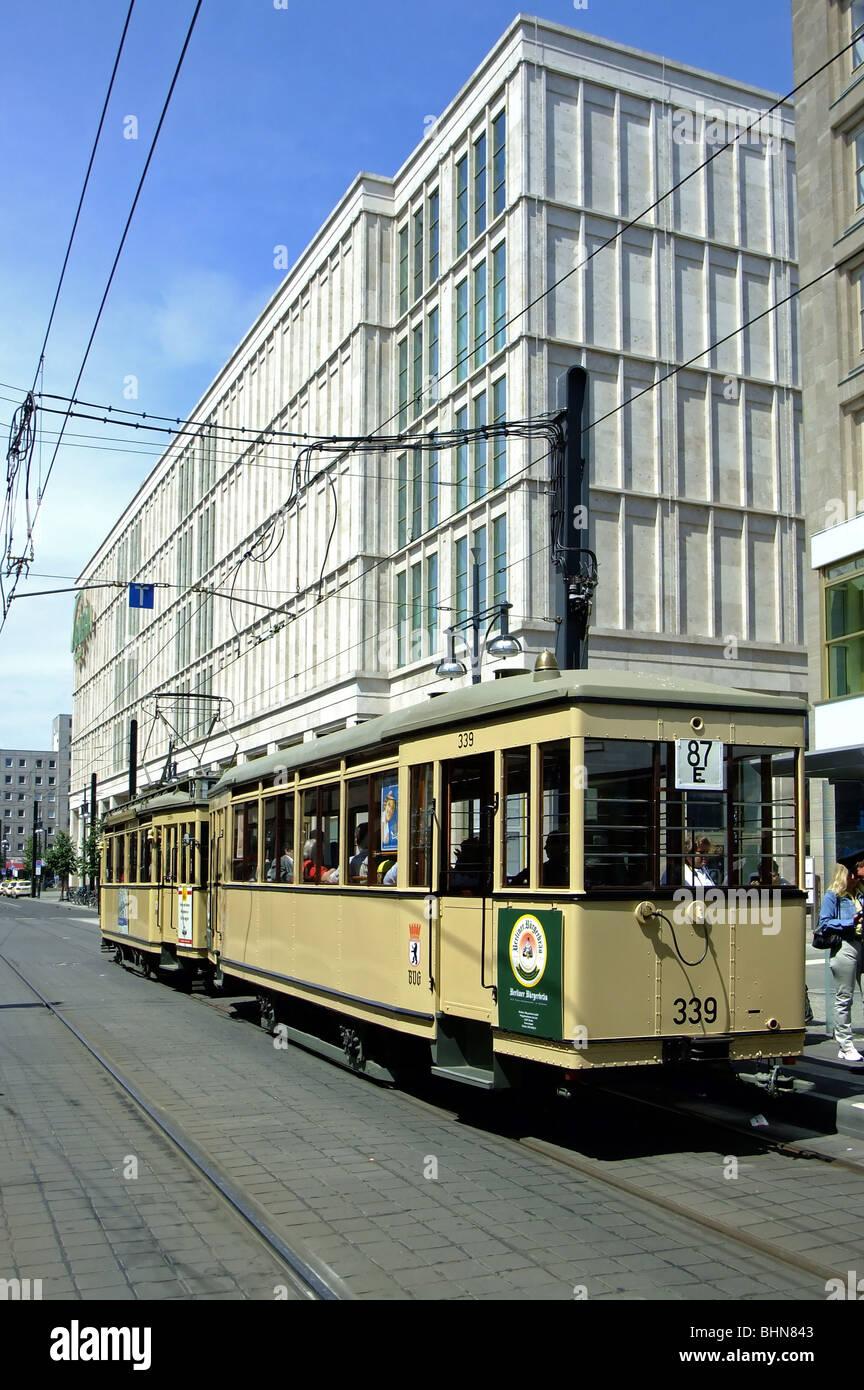 Verkehrtransport Eisenbahn Straßenbahn Alexanderplatz Berlin