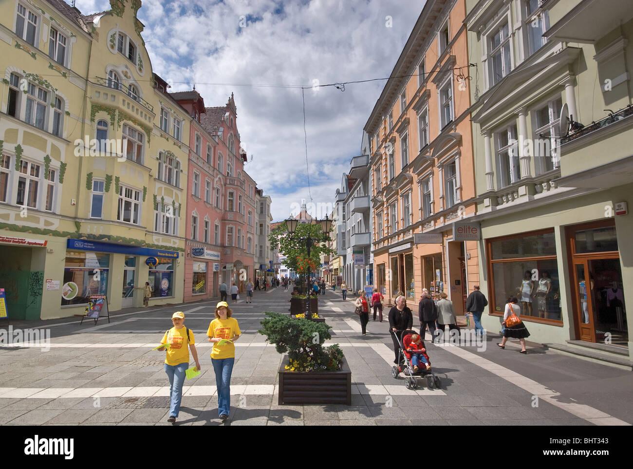 Fußgängerzone in der Nähe von Stary Rynek (Altmarkt) in Zielona Góra, Lubuskie Voivodeship, Stockbild