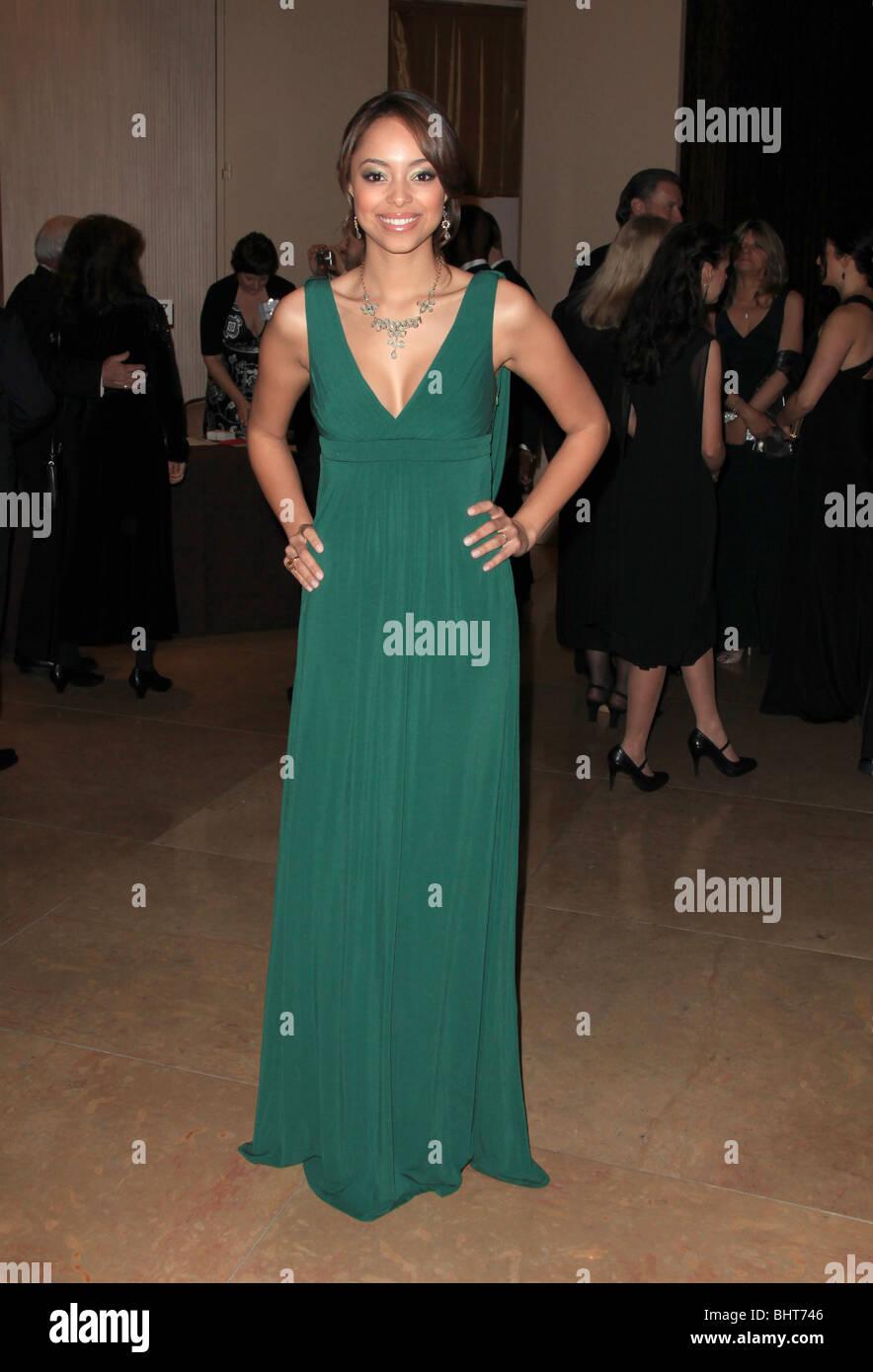 Grecian Dress Stockfotos & Grecian Dress Bilder - Alamy