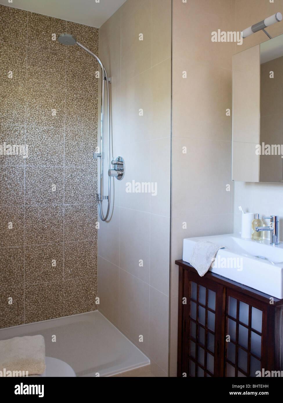Geflieste Duschen Chromdusche In Beige Granit Geflieste Duschkabine
