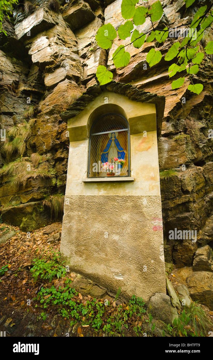Bildstock auf Weg von Varzo, Trasquera, Piemont, Italien Stockbild