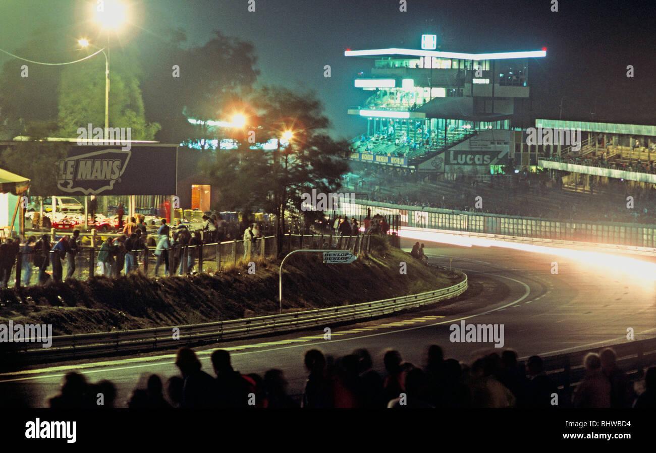 Nachtrennen in Le Mans Frankreich Europa Stockbild
