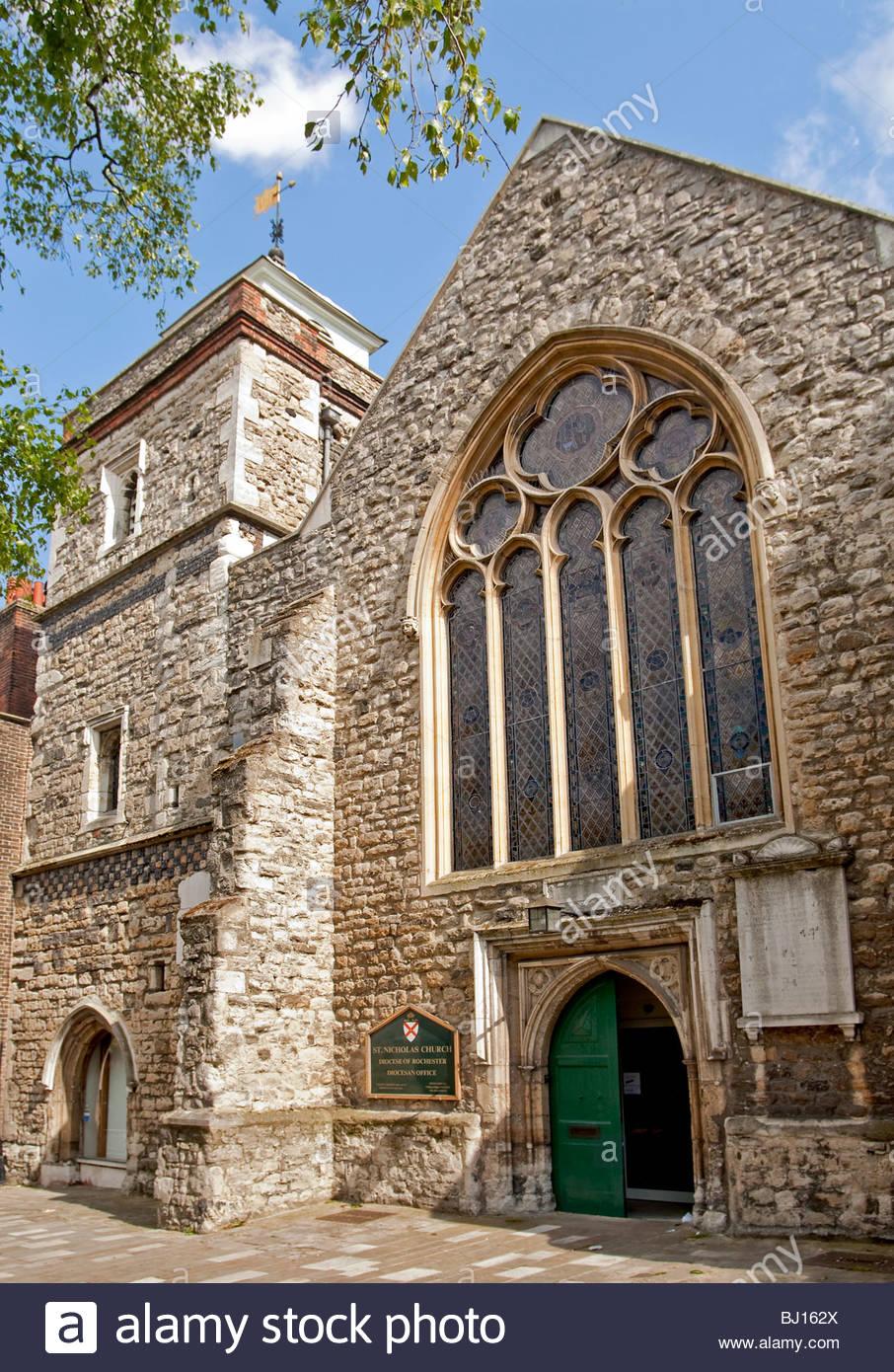 St.Nicholas Kirche im Zentrum historischen Stadt von Rochester in den Fluss Medway in Kent, South East England. Stockbild