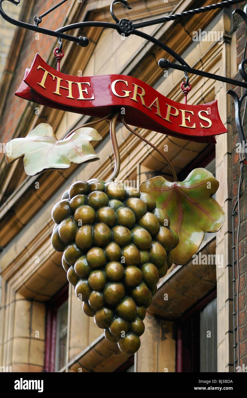 Die Trauben Pub Schild, Oxford, Vereinigtes Königreich. Stockbild