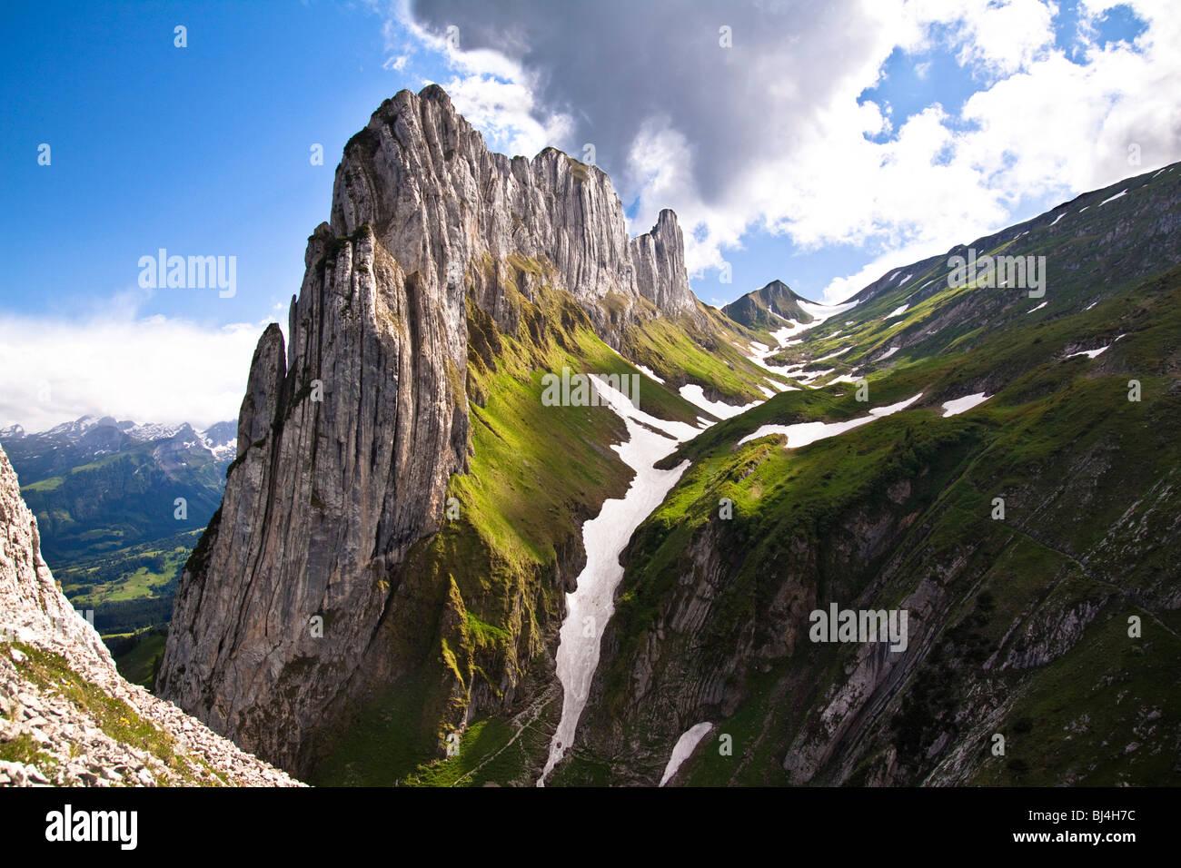 Kreuzberge, Bergkette am Ostrand des Gebirges Alpsteingebirge hinten Mt. Kleinmutschen, verließ die Rheintal Stockbild