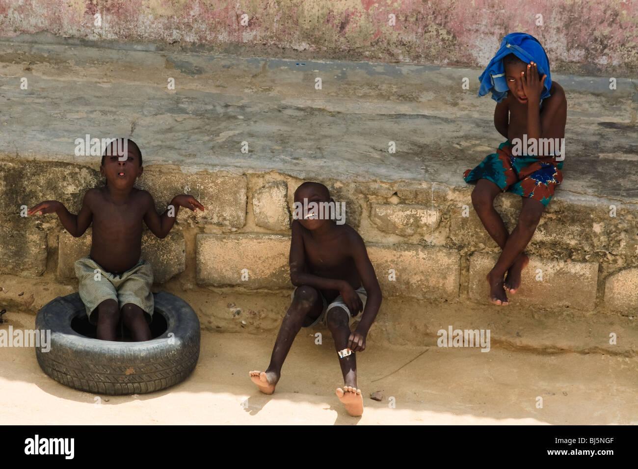 Afrika-Ganzkörper-Ghana-Kinder-Shama Stockbild