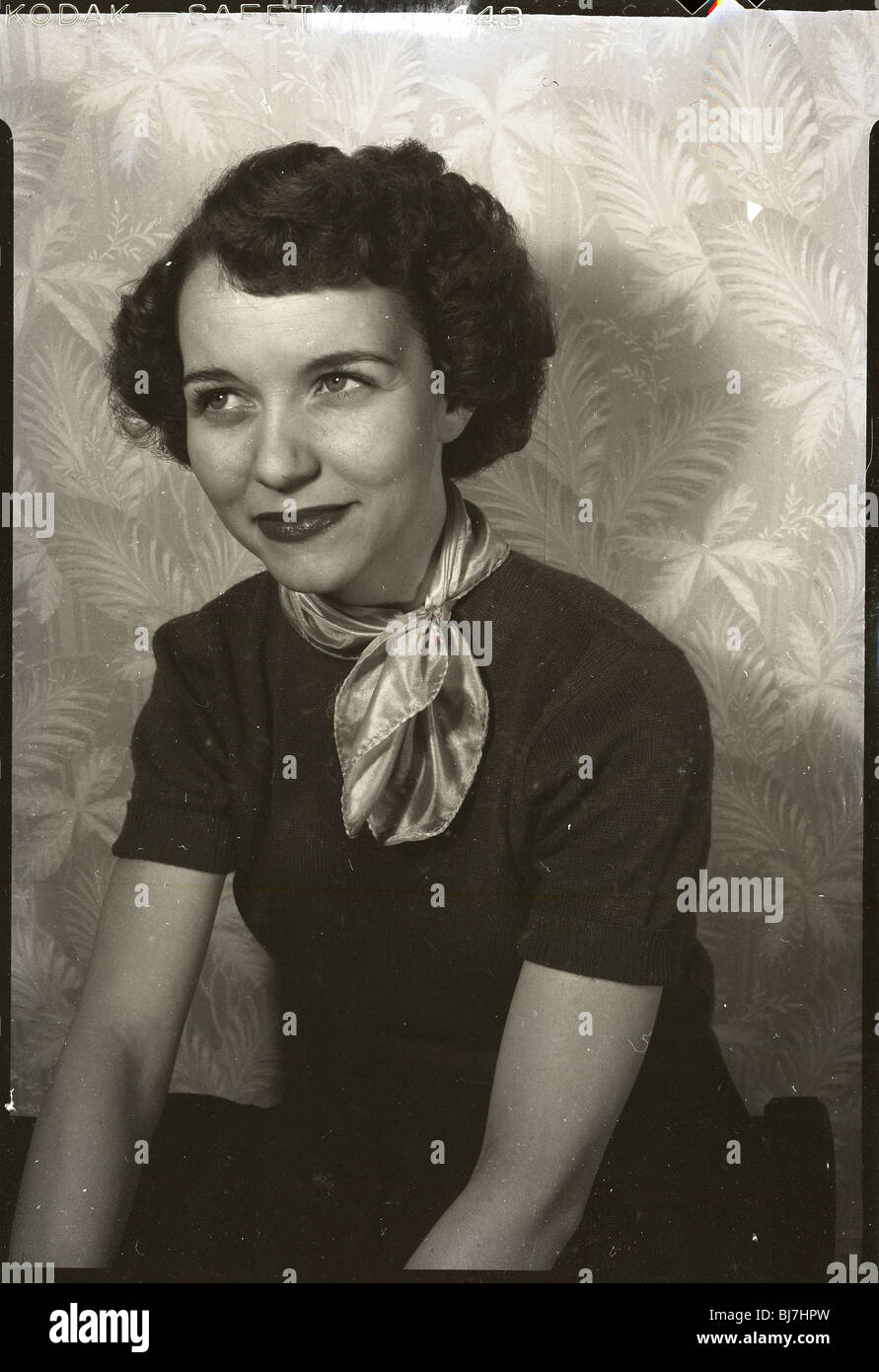 1940s 1950s Smiling Woman Stockfotos & 1940s 1950s Smiling Woman ...