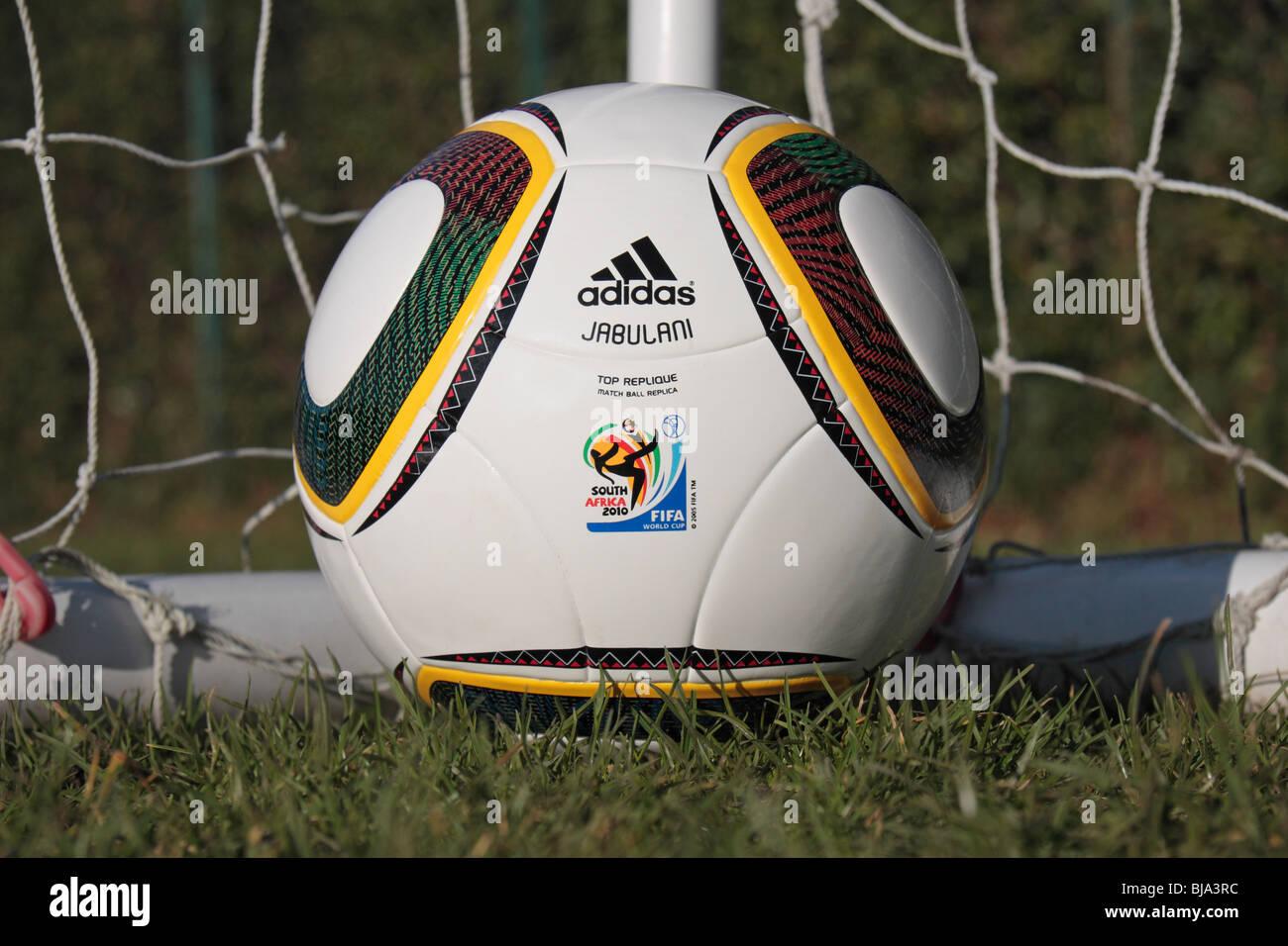 Die Fifa Wm 2010 Replica Spielball Von Adidas Jabulani In Der Ecke