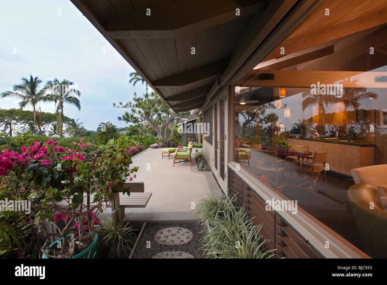 Exterior And Interior Stockfotos & Exterior And Interior Bilder - Alamy