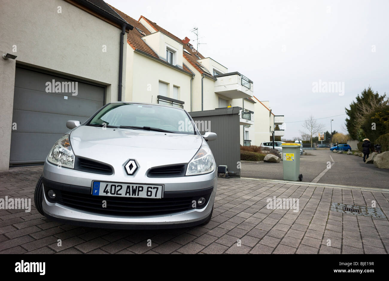 france garage car stockfotos france garage car bilder alamy. Black Bedroom Furniture Sets. Home Design Ideas