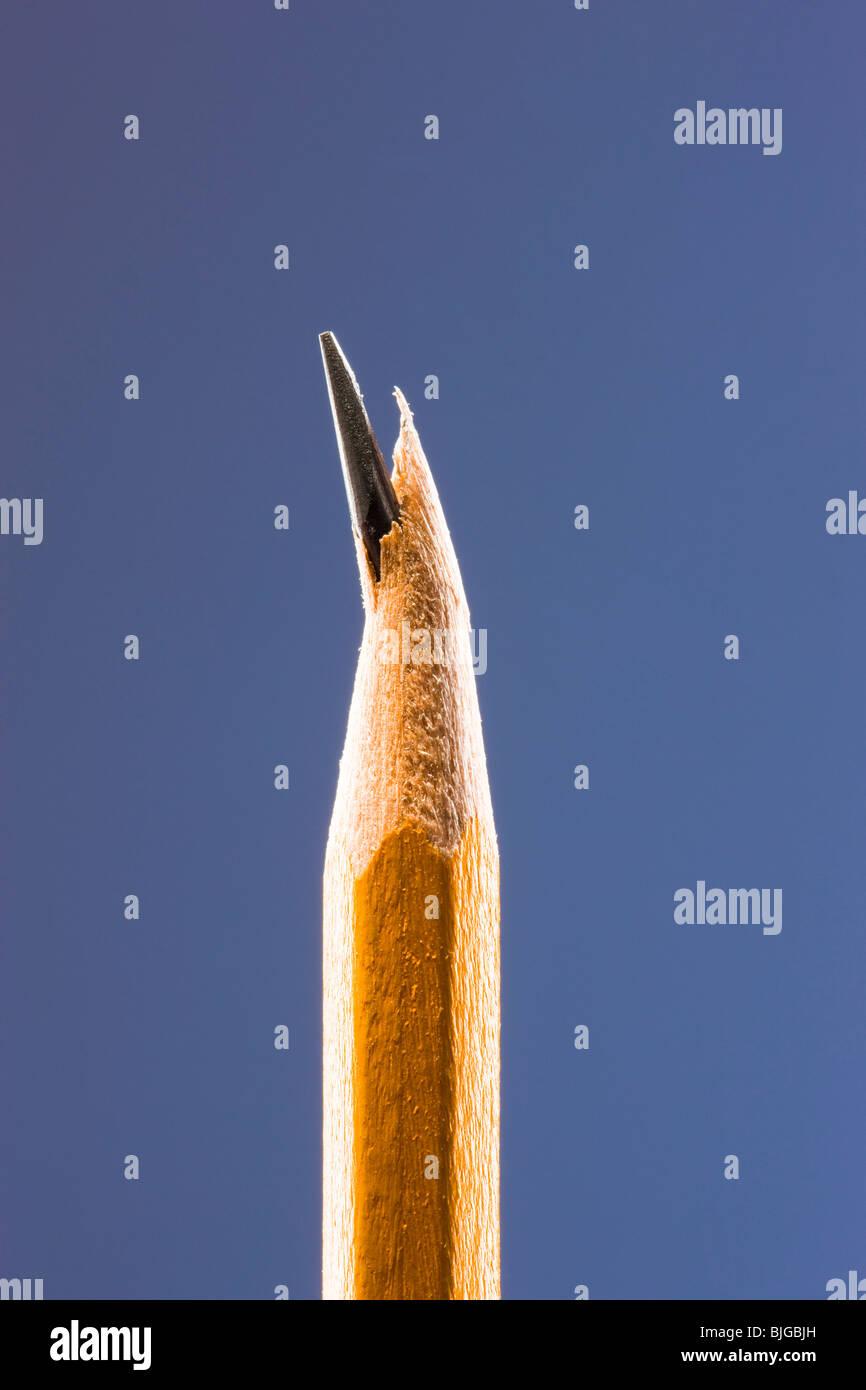 Bleistift mit einem gebrochenen Vorsprung Tipp Stockbild