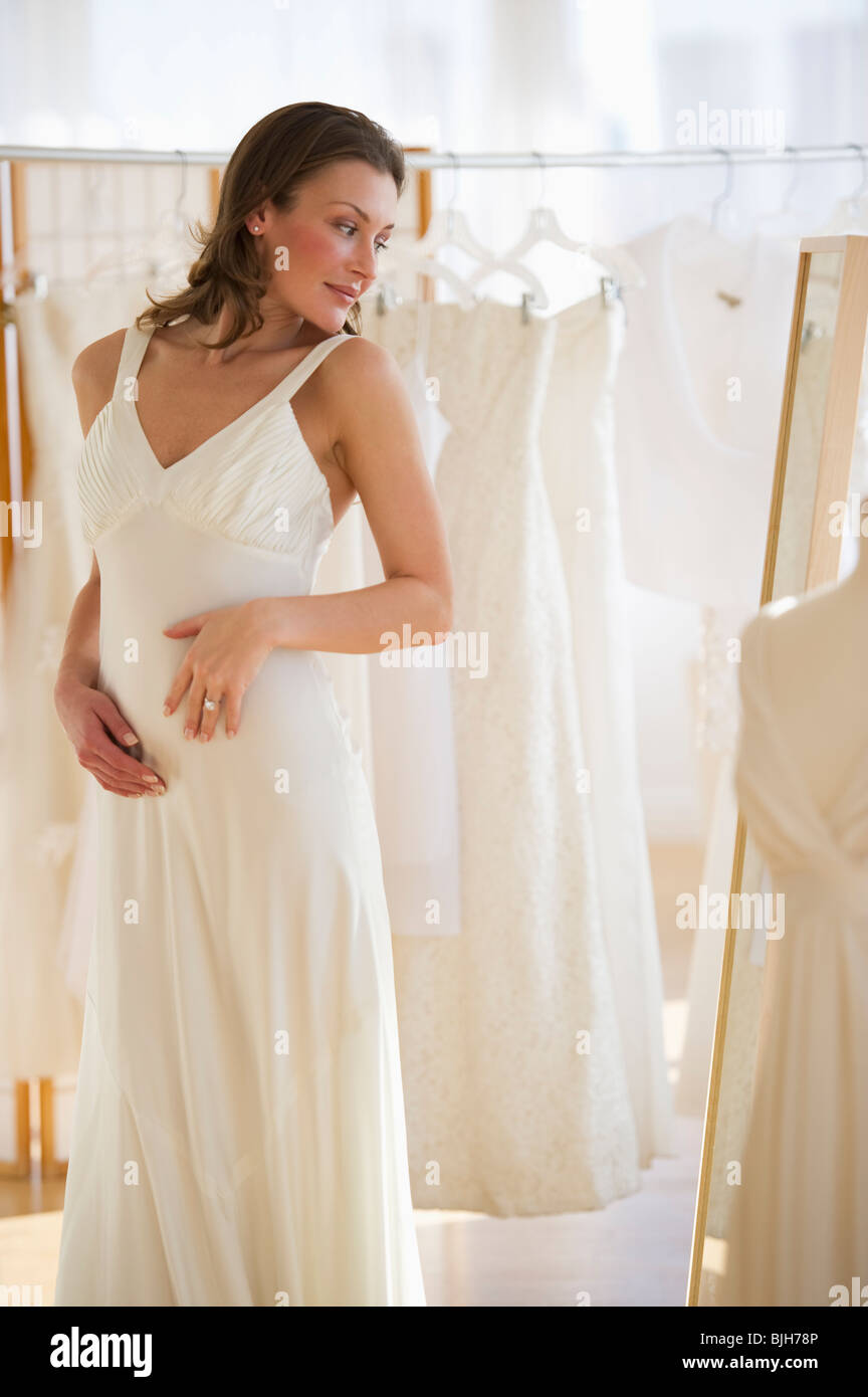 Wedding Shops Stockfotos & Wedding Shops Bilder - Alamy