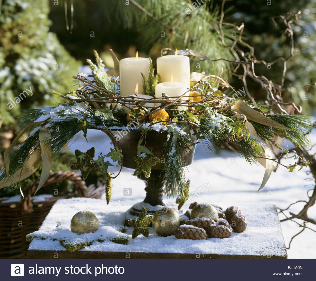 flower arrangement for advent stockfotos flower arrangement for advent bilder seite 2 alamy. Black Bedroom Furniture Sets. Home Design Ideas