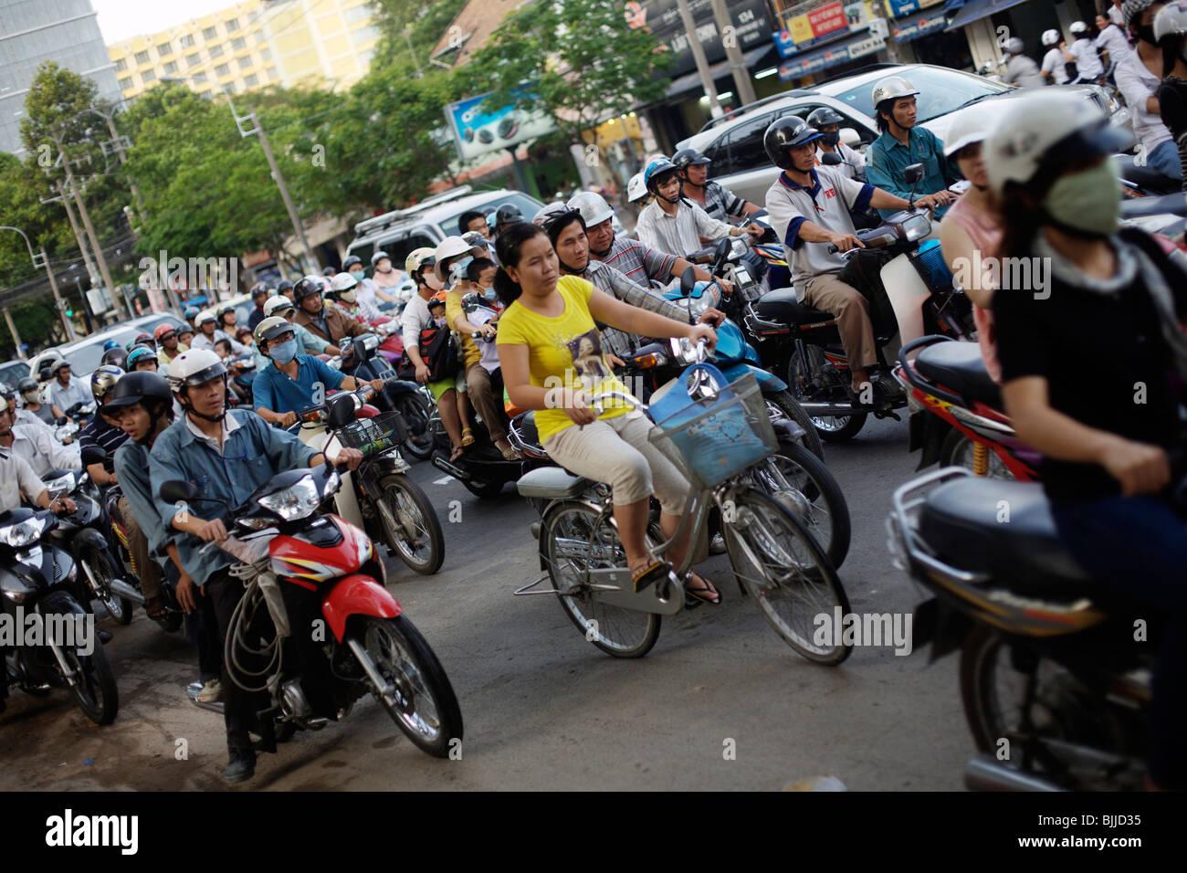 Verkehr auf den Straßen von Saigon oder Ho-Chi-Minh-Stadt in Vietnam Stockbild