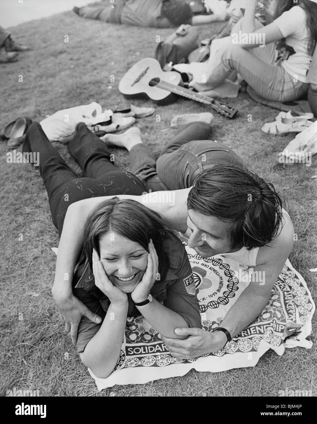 Junge Menschen bei den Weltfestspielen in Berlin, DDR, Europa, 1973 Stockfoto