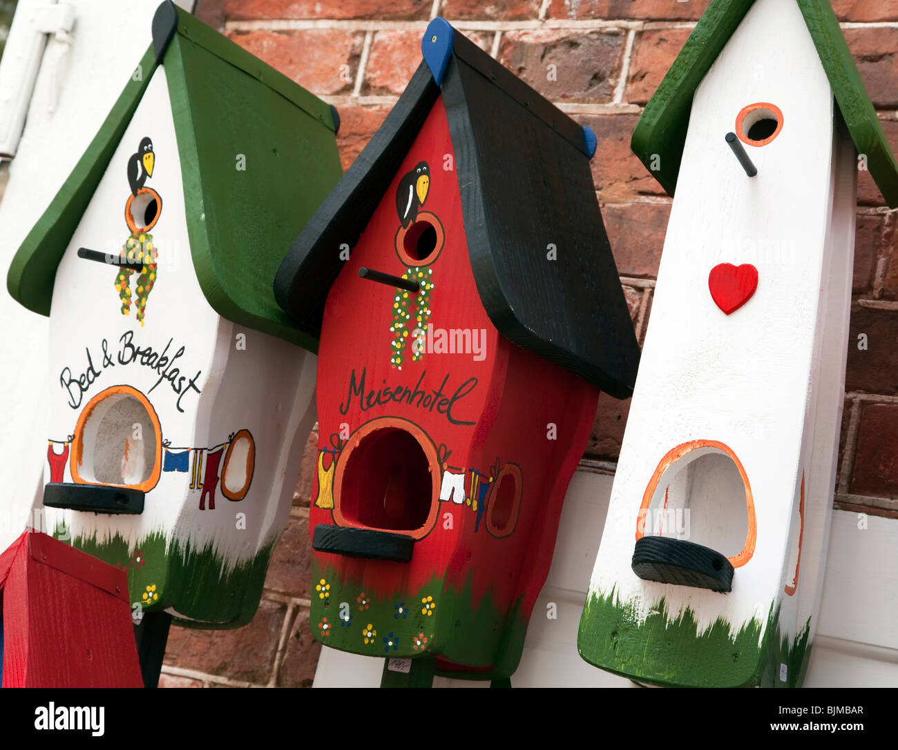 painted birdhouses stockfotos painted birdhouses bilder alamy. Black Bedroom Furniture Sets. Home Design Ideas