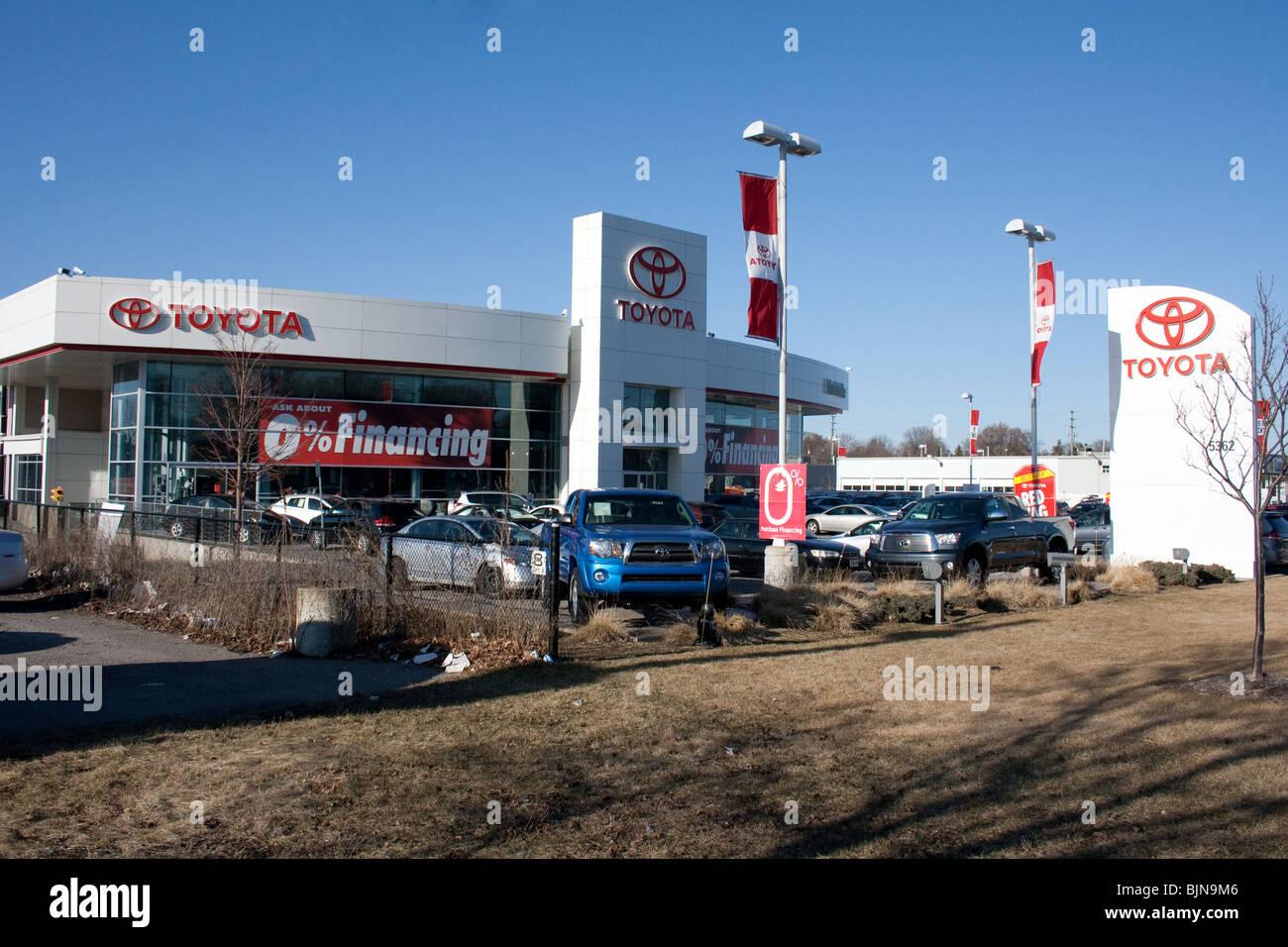 Toyota Logo Autohaus Null Finanzierung leasing Autos Auto viel viele brandneue Verkauf Auto Sektor Incentive Verbraucher Stockbild