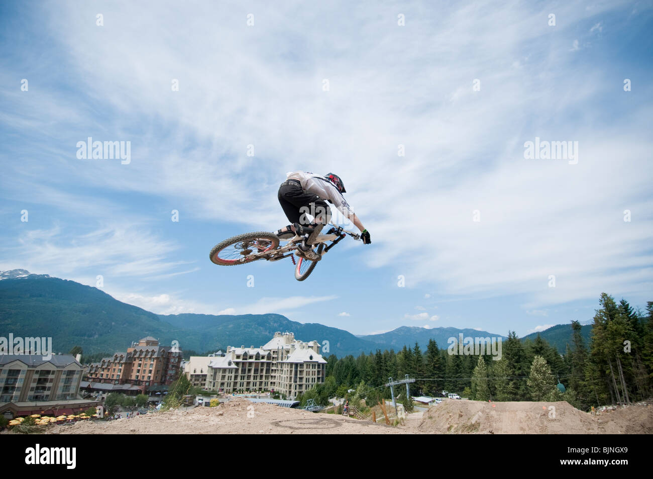 Downhill Mountainbiken im berühmten Whistler Bikepark Stockfoto