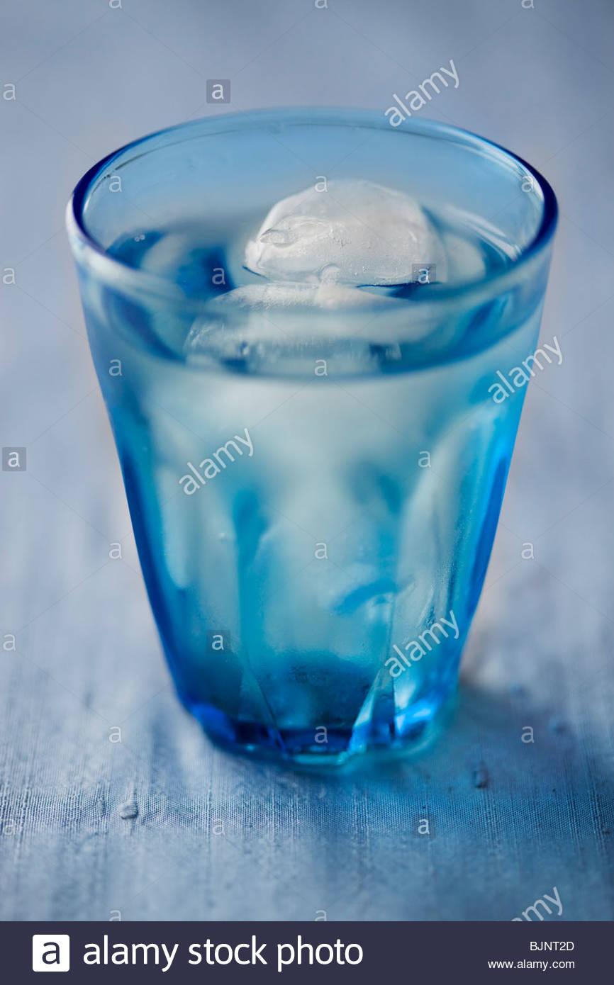 Ein Glas Eiswasser Stockbild