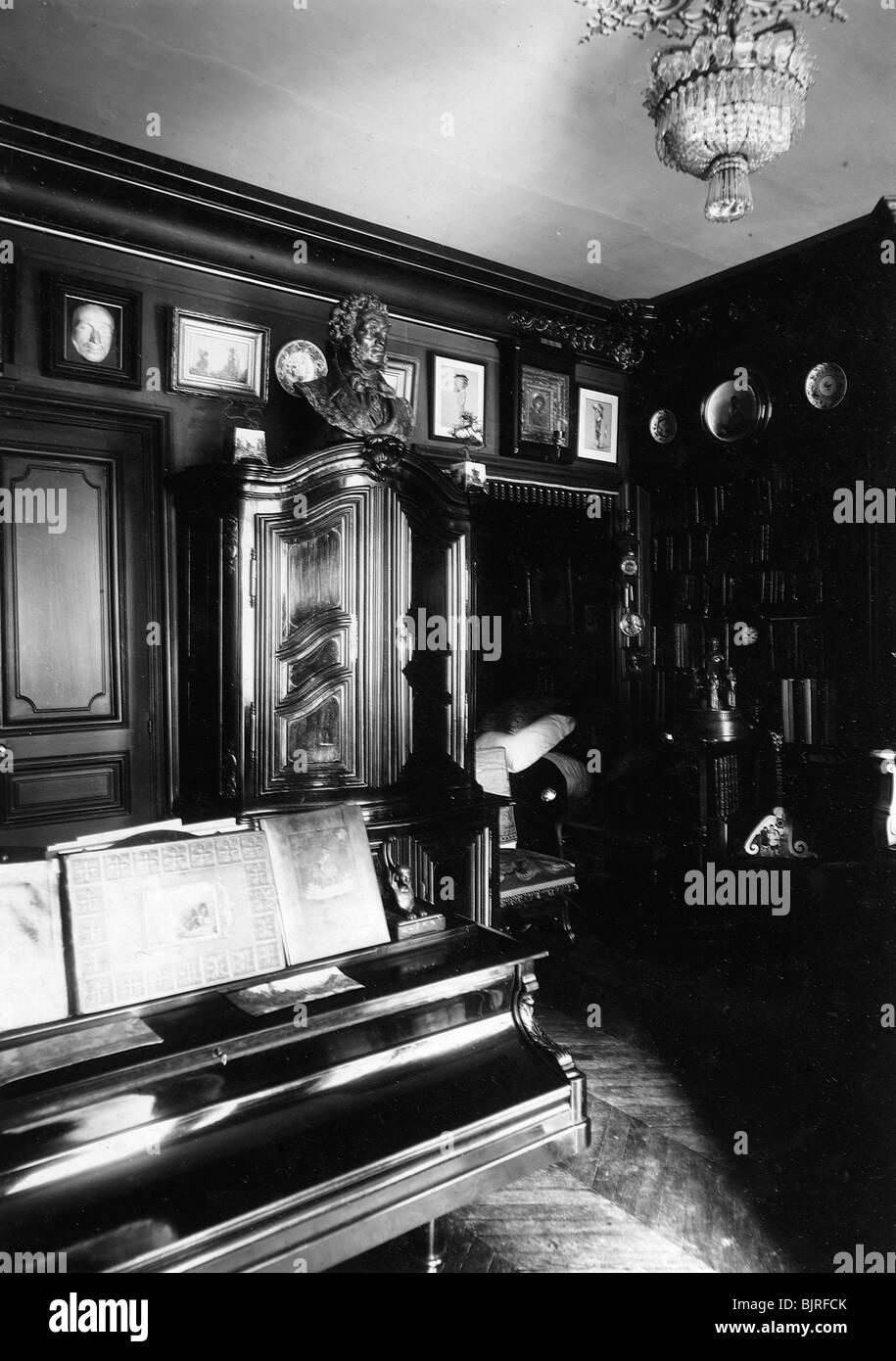 Innenraum des Museums des Autors und Historiker Alexander Onegin in ...
