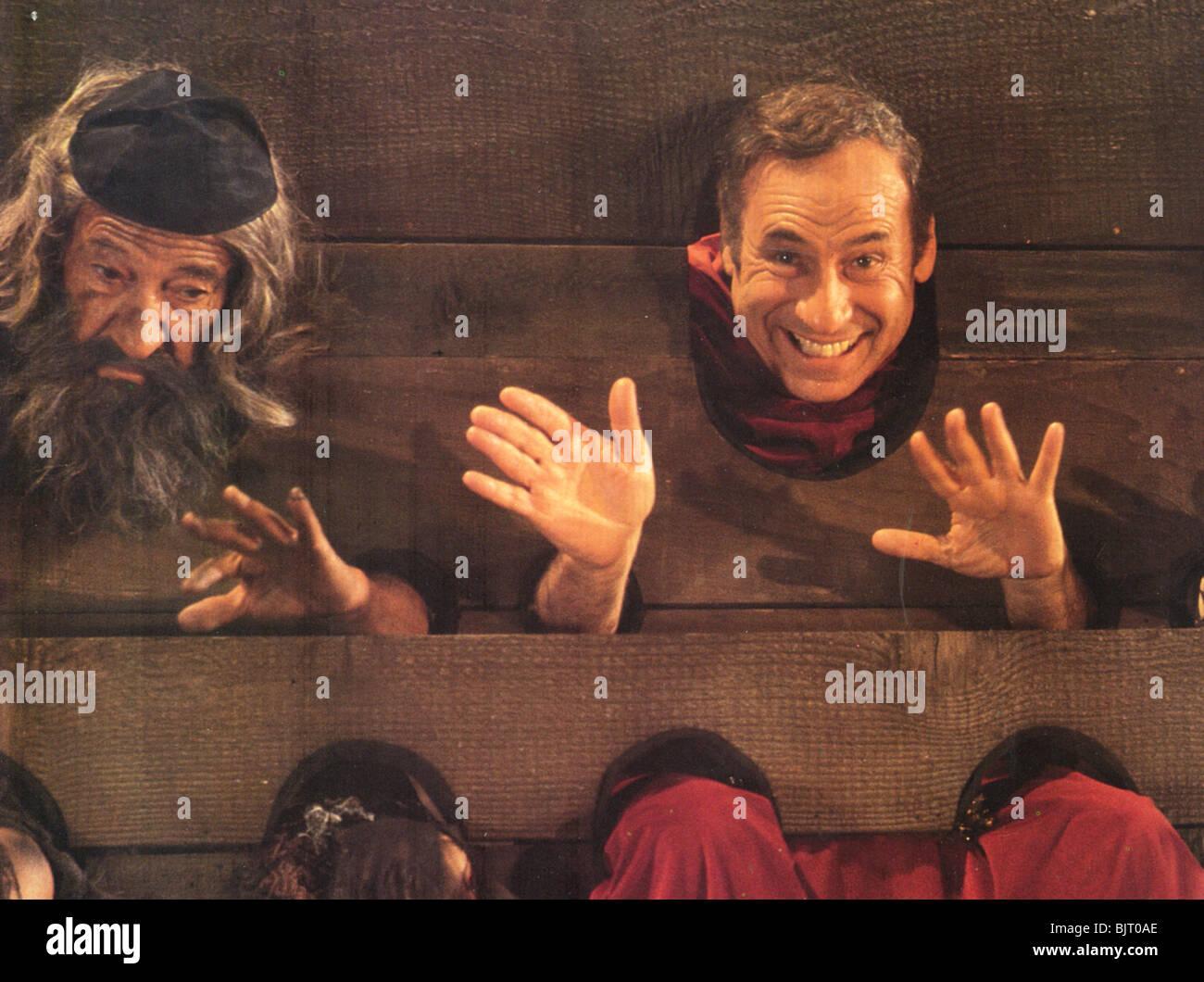 Geschichte der Welt Teil 1 - 1981 Brooksfilms Film mit Mel Brooks auf der rechten Seite Stockbild