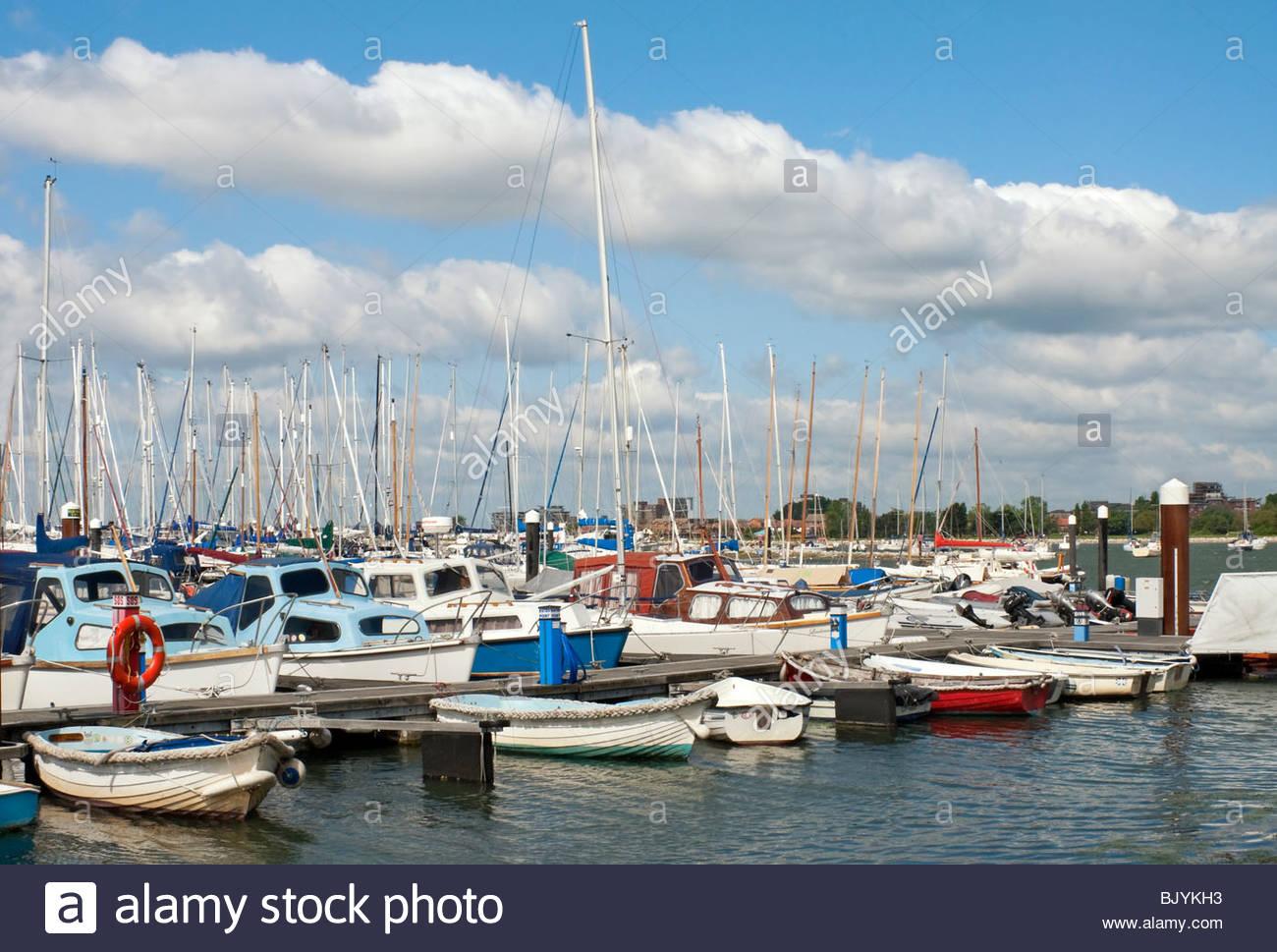 Hafen von Poole. Poole Harbour ist ein großer Naturhafen in Dorset, South East England. Stockbild