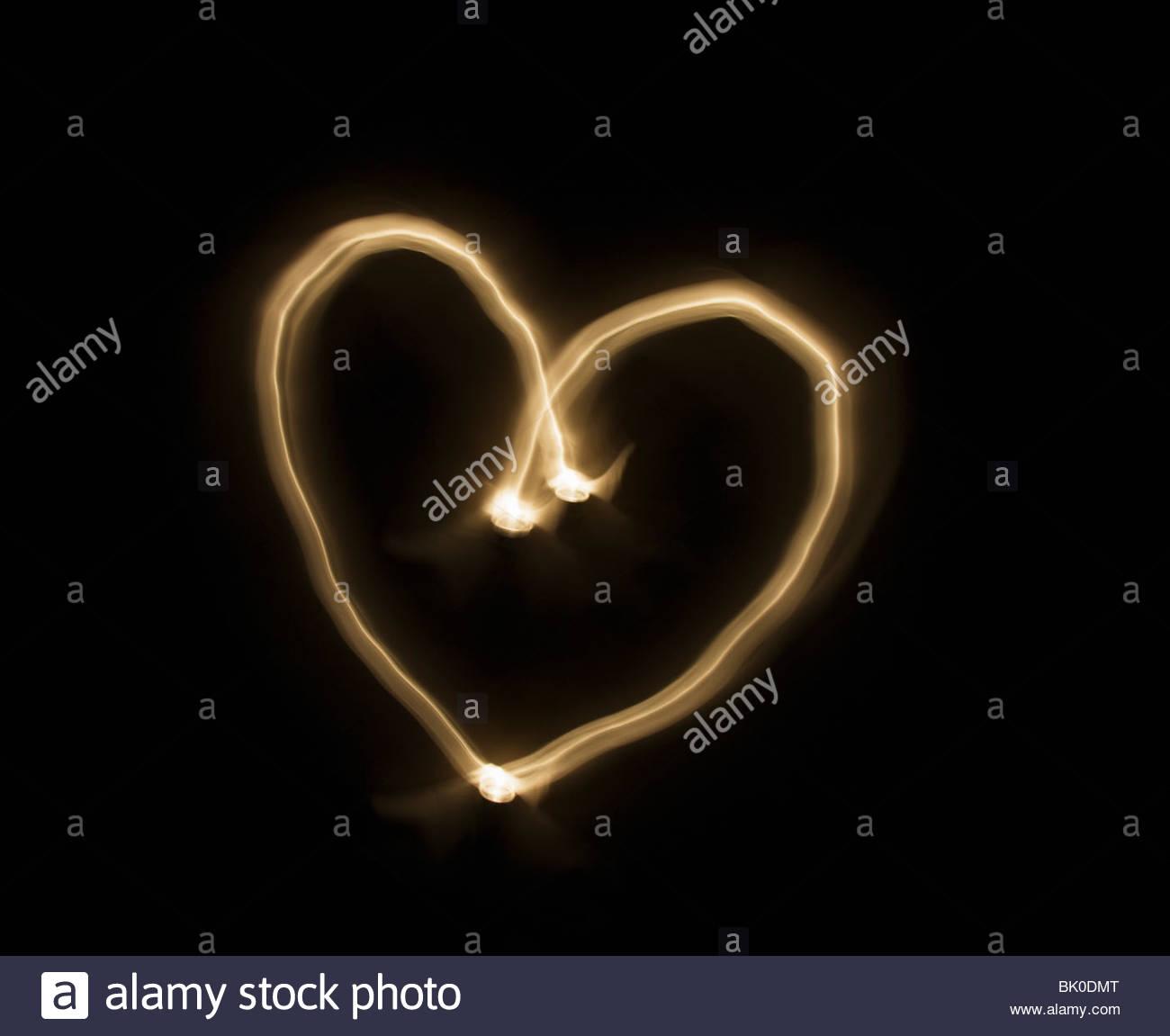 Helle Streifen bilden ein Herz der Liebe Stockfoto
