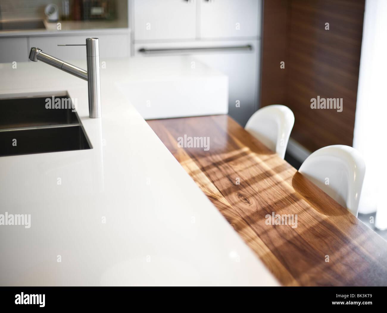 Zeitgenössische moderne Küche Holzarchitektur Stockbild
