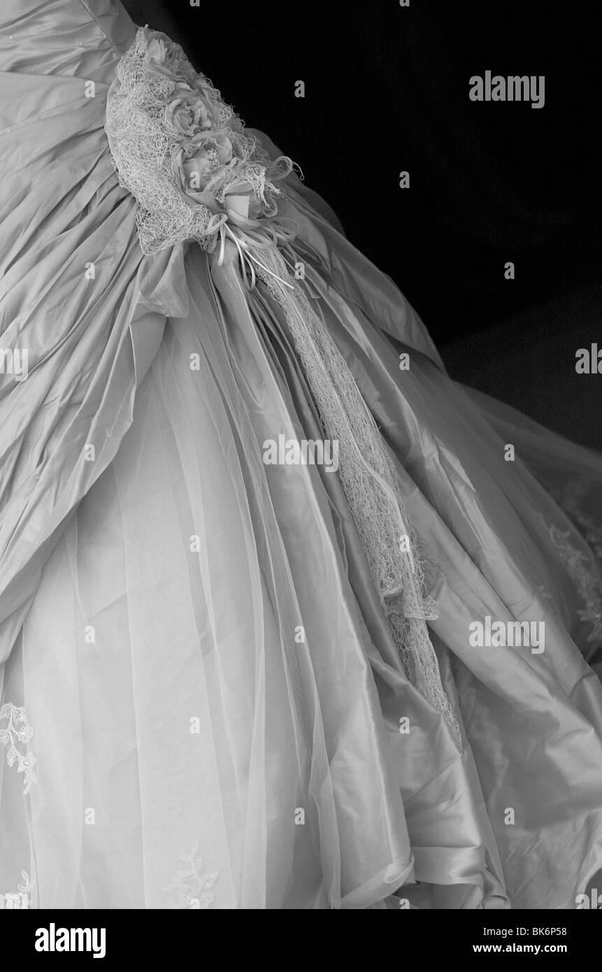 Silberne Hochzeitskleid Stockfotografie - Alamy