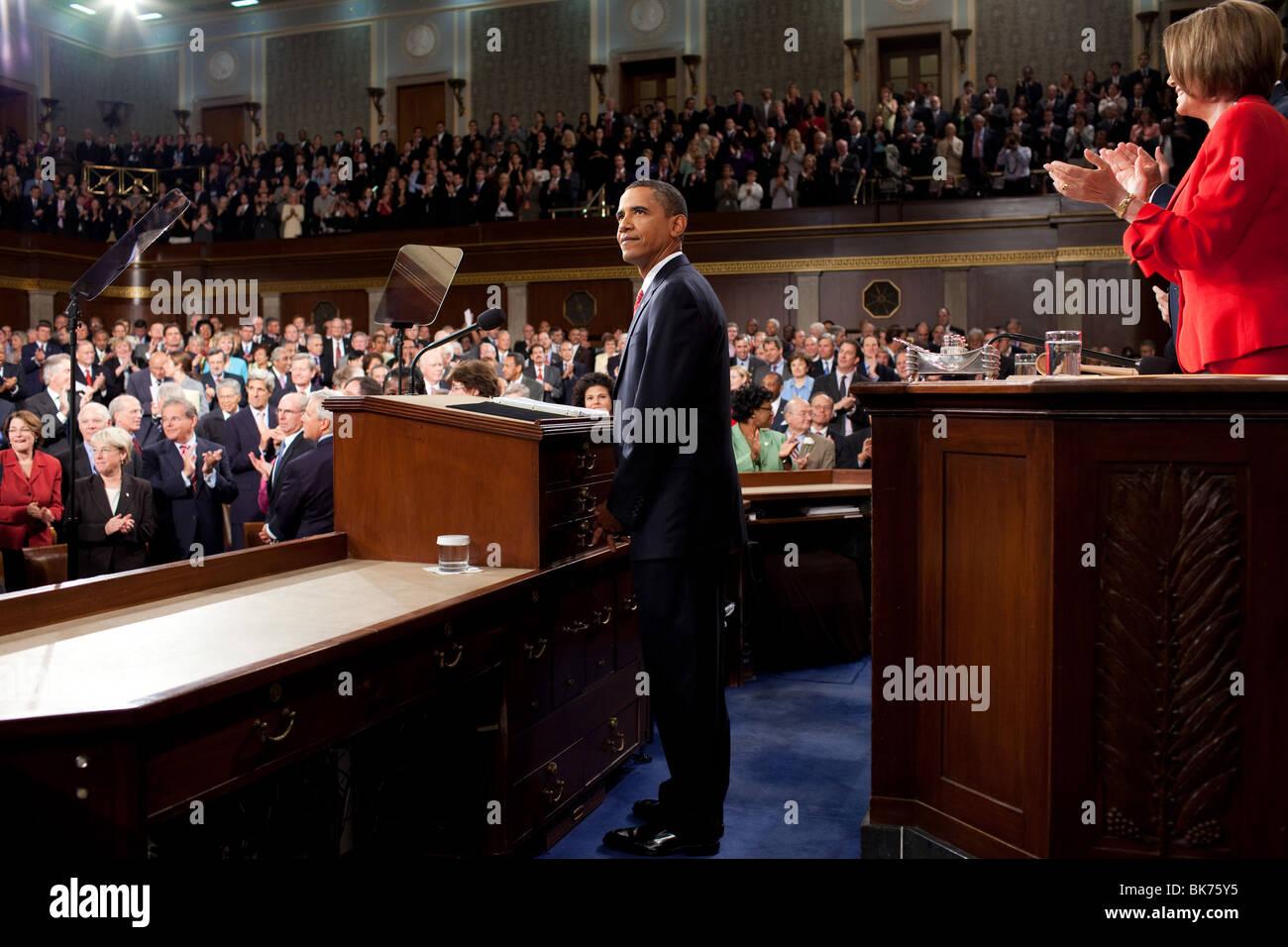 Präsident Obama liefert Bemerkungen über die medizinische Versorgung in einer gemeinsamen Sitzung des Stockbild