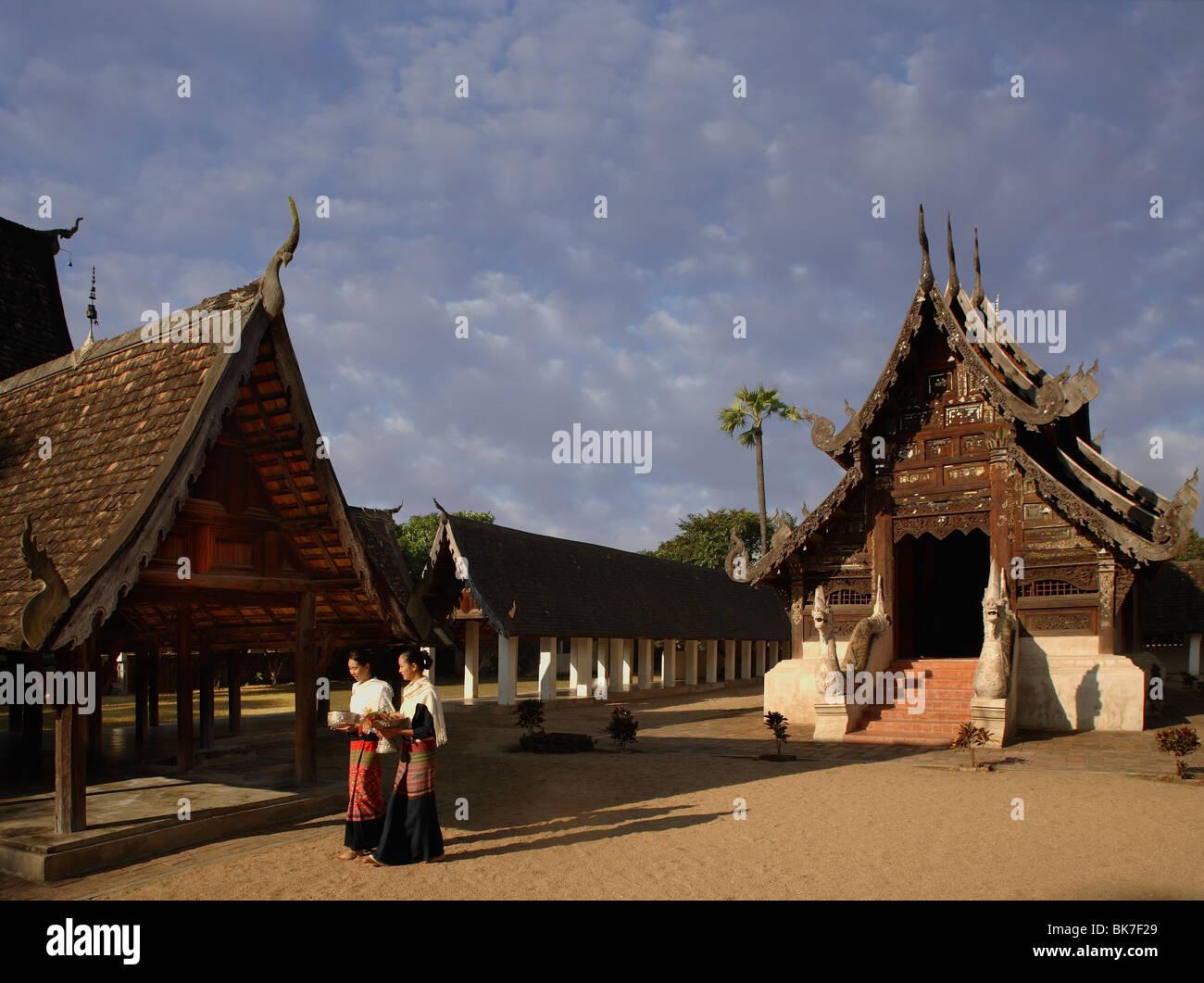 Wat Tonne Kwen, ein klassisches Beispiel für Lanna Architektur, Chiang Mai, Thailand, Südostasien, Asien Stockbild