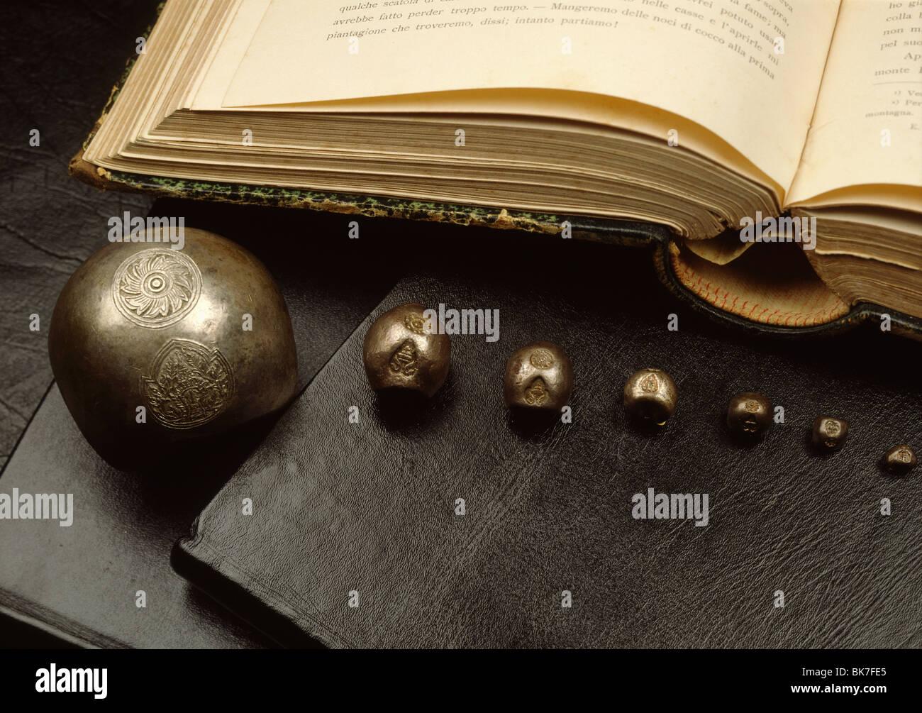 Kugel-Münzen aus der Ayutthaya-Periode in Thailand, Südostasien, Asien Stockbild