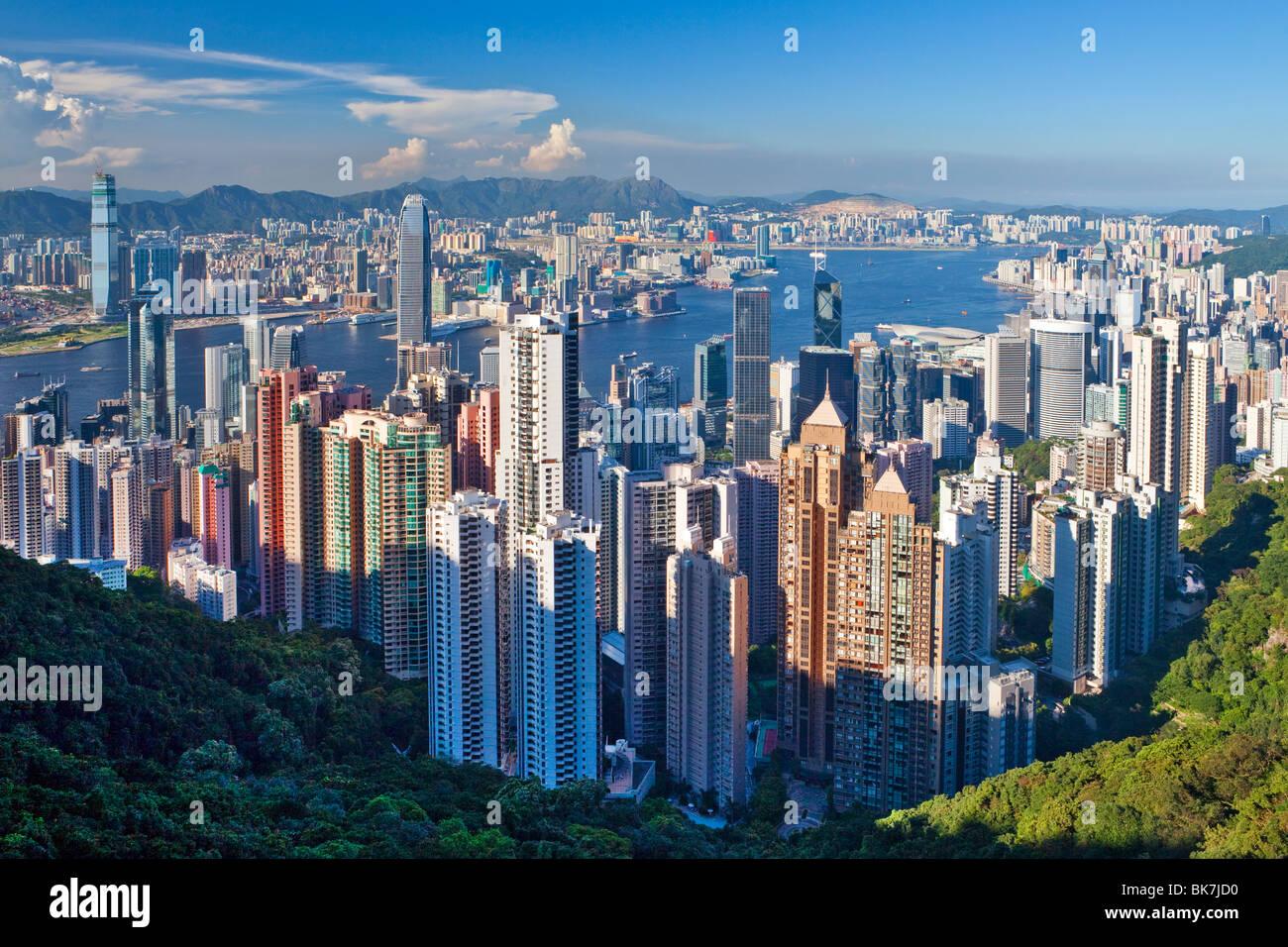 Skyline der Stadt und den Victoria Harbour angesehen vom Victoria Peak, Hong Kong, China, Asien Stockbild
