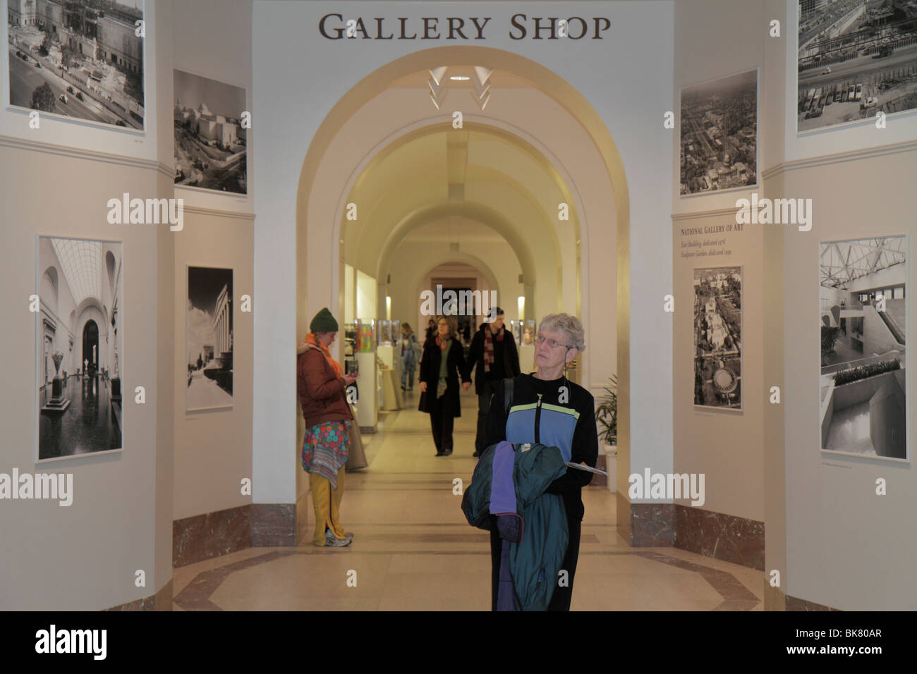 Art Gallery Gift Shop In Stockfotos & Art Gallery Gift Shop In ...