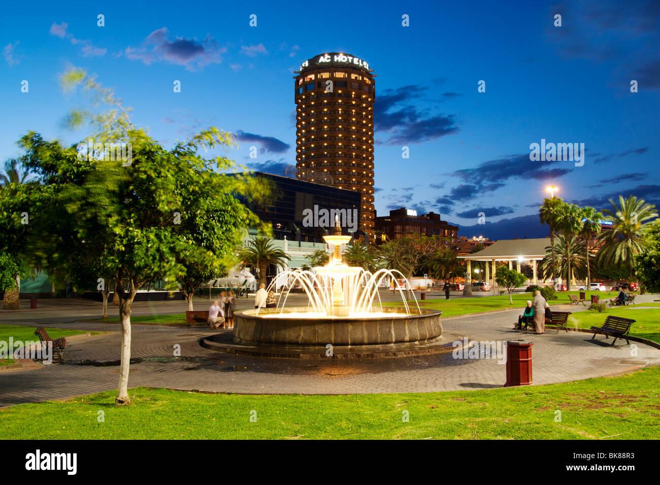 Brunnen Im Parque Santa Catalina Las Palmas Gran Canaria Hotel Ac