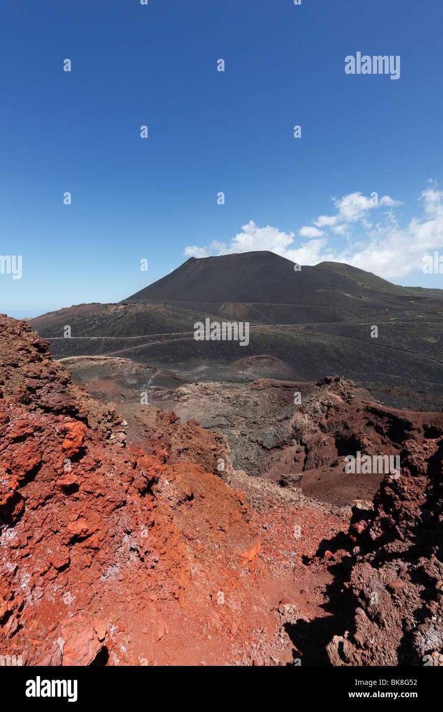 Vulkan Teneguía an Front, San Antonio Volcano in den Rücken, La Palma, Kanarische Inseln, Spanien, Europa Stockbild