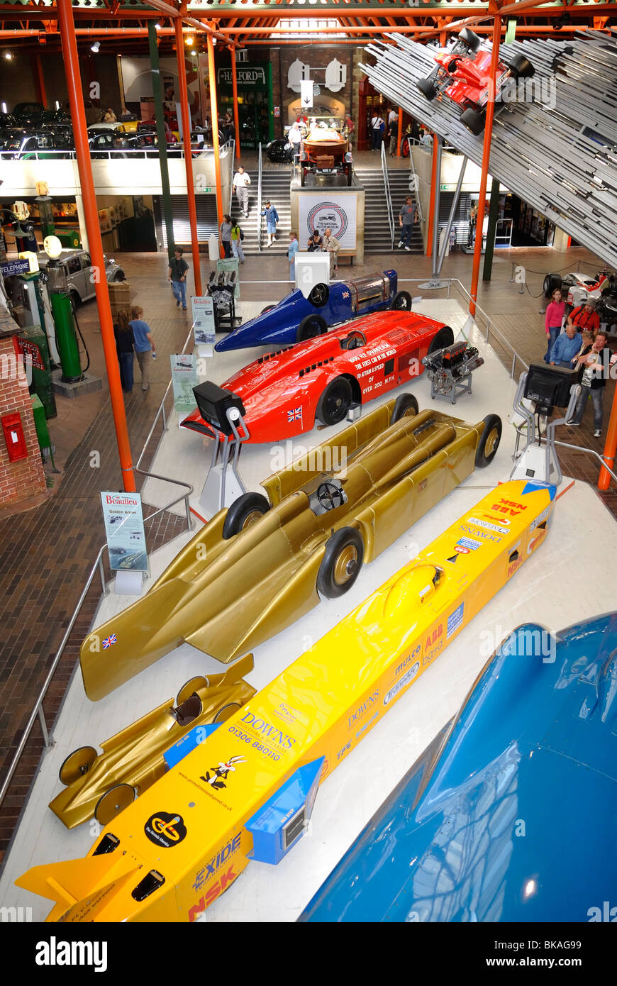 Innere des Beaulieu National Motor Museum, Brockenhurst, Hampshire, Großbritannien Stockbild
