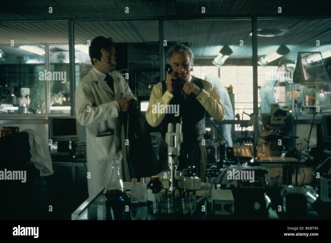 TWELVE MONKEYS (1995) CHRISTOPHER PLUMMER TVMK 072 Stockbild