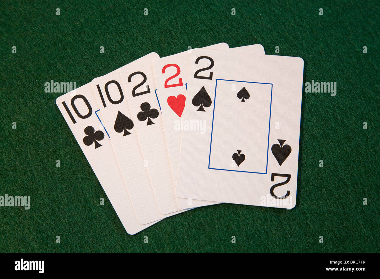 "Ein ""Full House""-Poker-Blatt, zweien und ten, five-Card draw oder stud poker Stockbild"