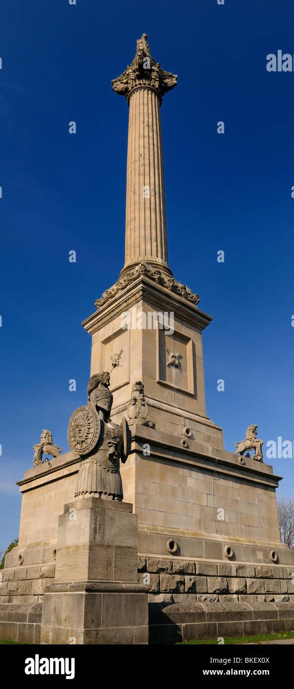 Vertikale panorama Der brocks Monument und Krypta bei Queenston Heights zum Gedenken an die kanadischen Unabhängigkeit Stockbild