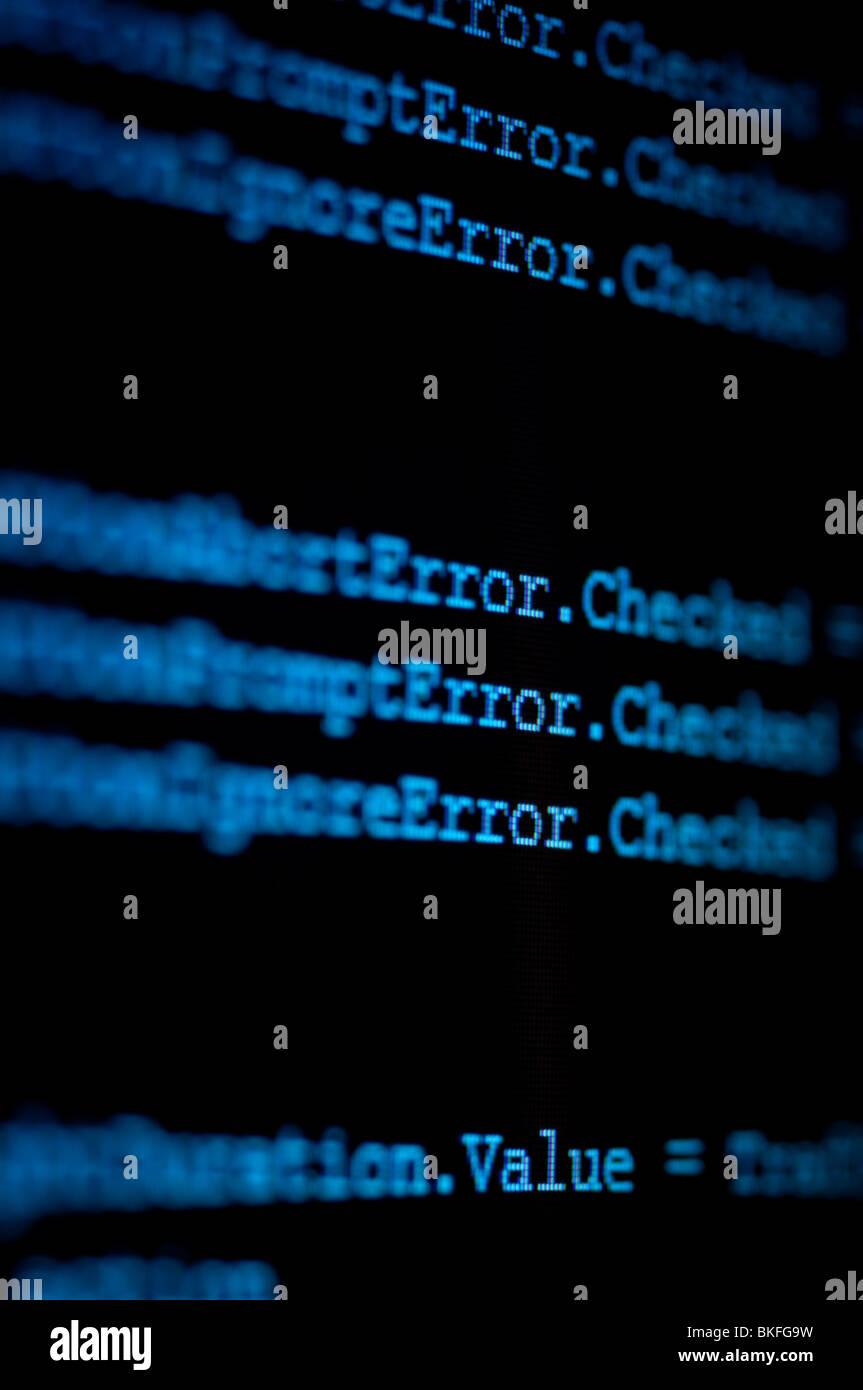 Computer-Monitor zeigt Code Zoomen auf die Word-Fehler Stockbild