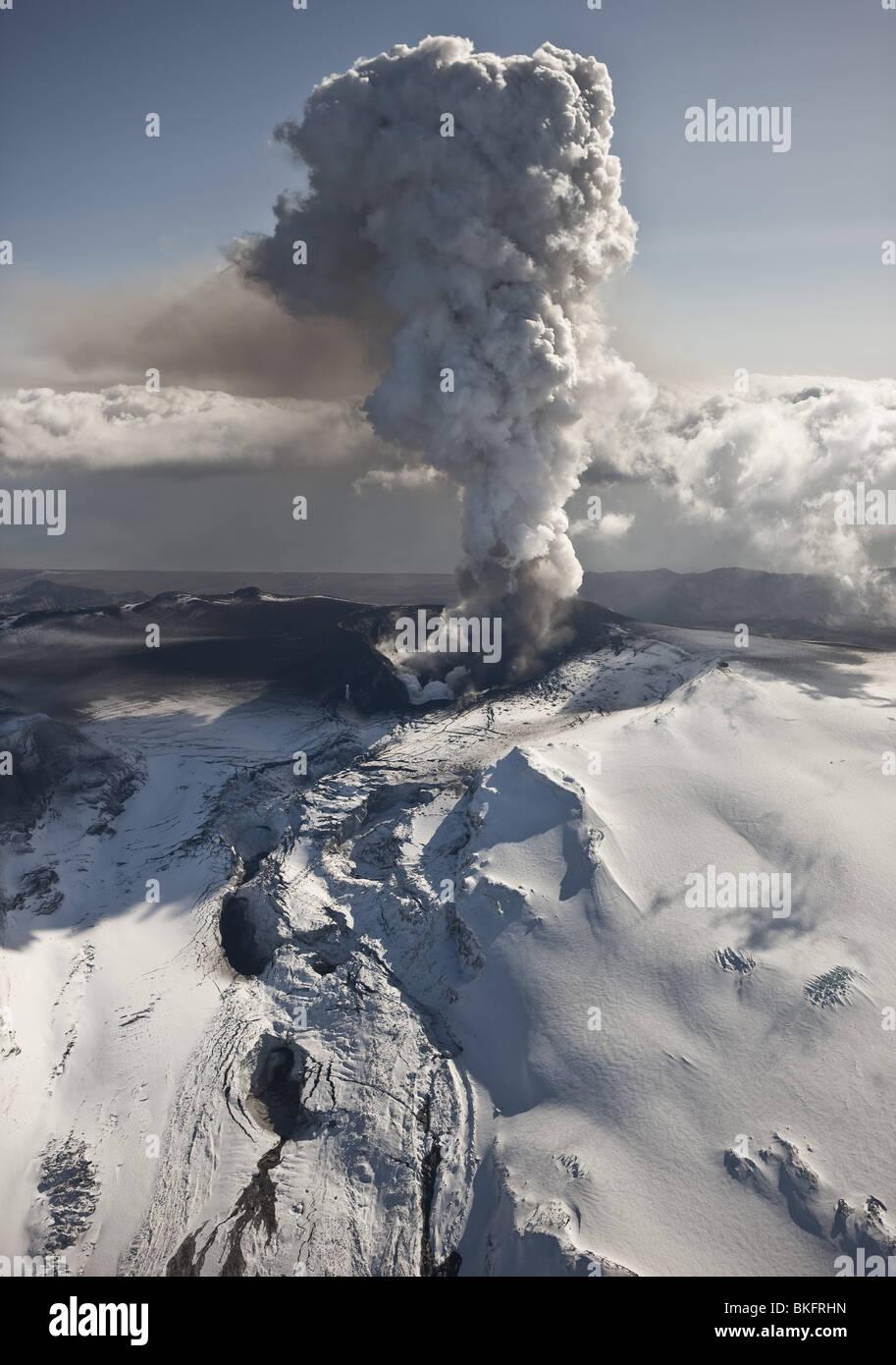Aschewolke aus Vulkan Eyjafjallajokull Eruption, Island. Stockbild