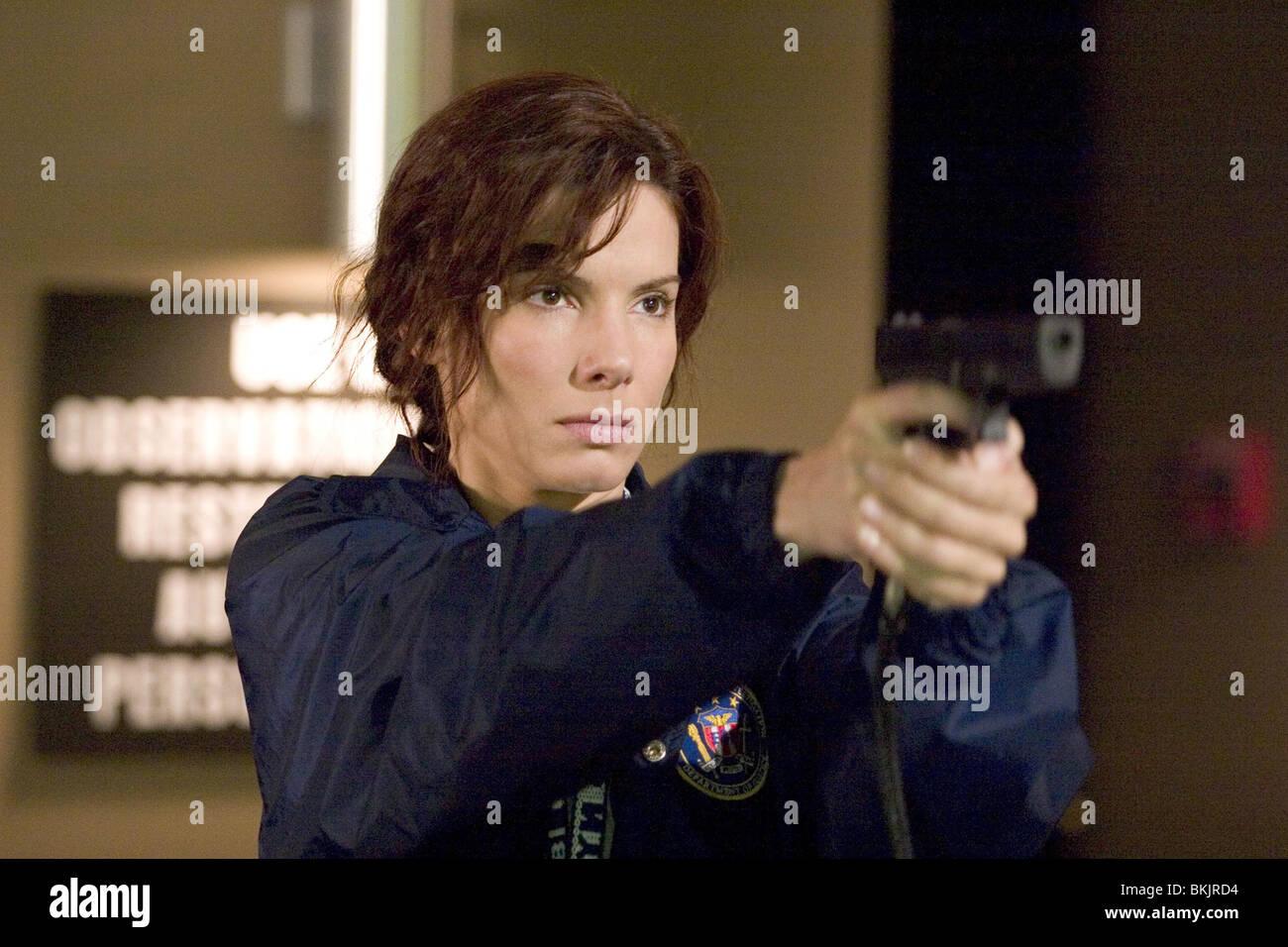 MISS UNDERCOVER 2: BEWAFFNET UND FABELHAFTE (2005) SANDRA BULLOCK MSC2 001-13 Stockbild