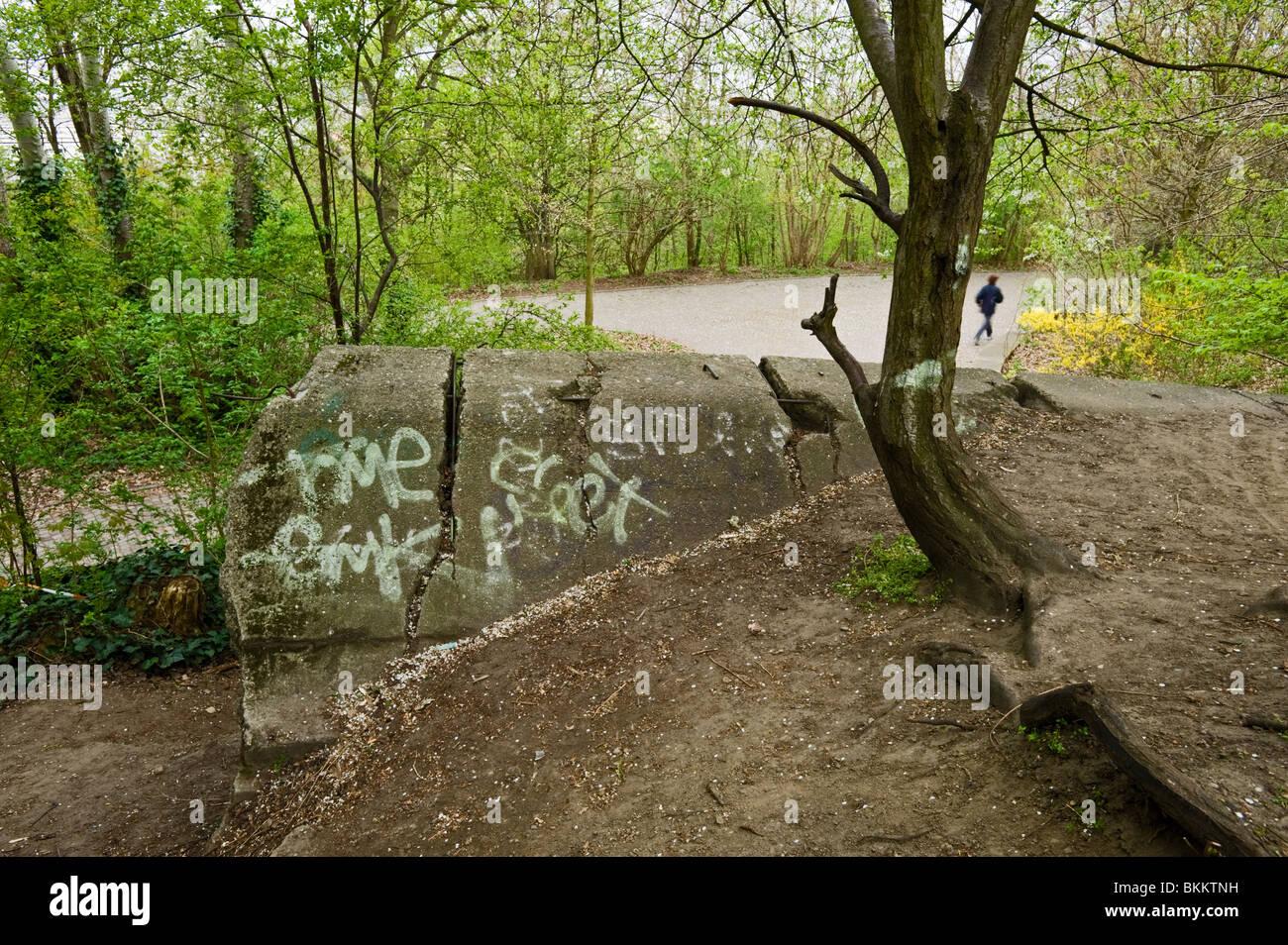 Überreste einer Flak Turm an der große Bunkerberg Schutt