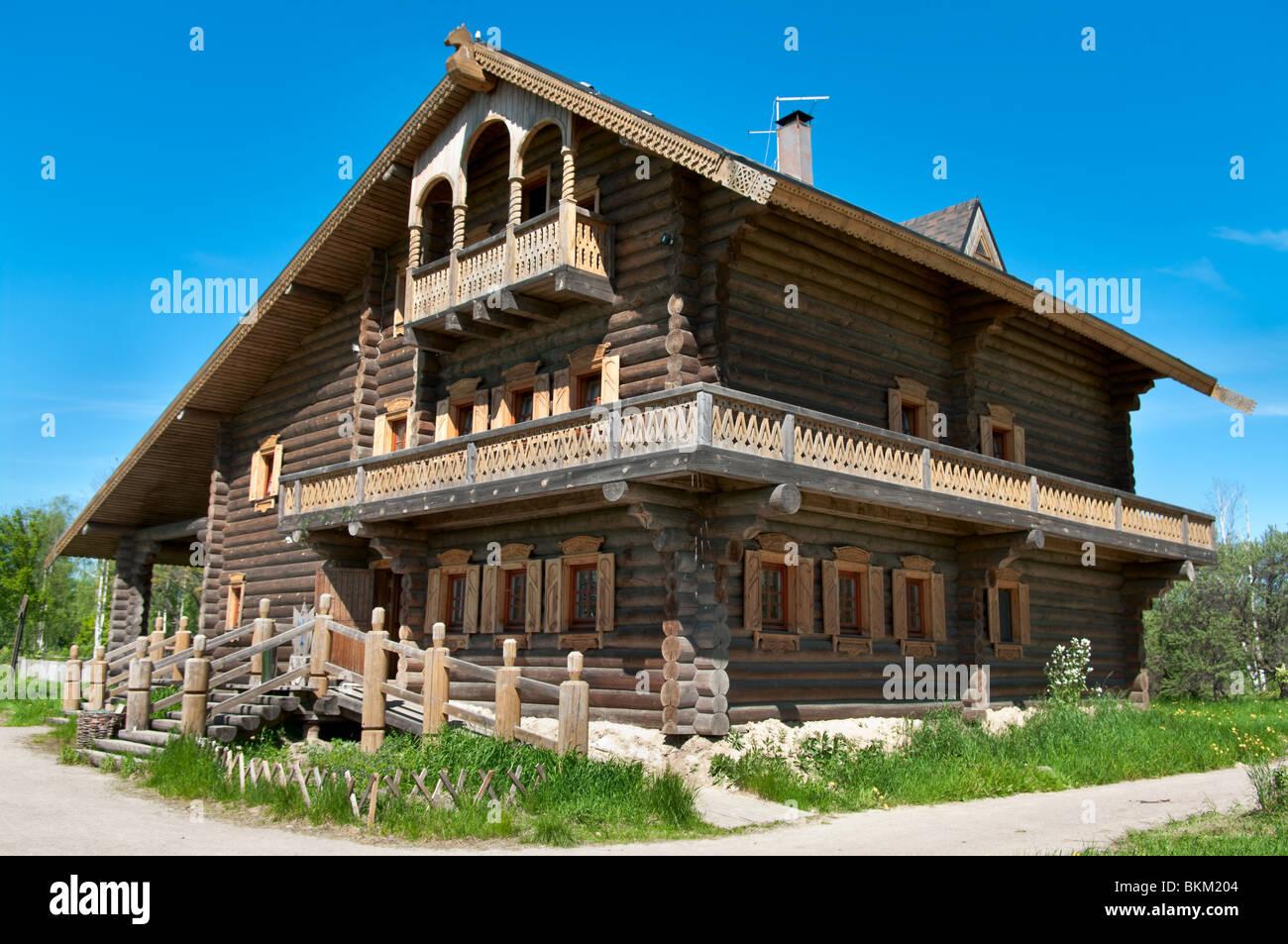 Schön Russisches Holzhaus Sammlung Von Russische Groe Aus Hlzern Und Windows Drauf