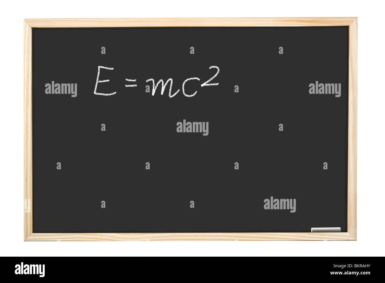 Berühmten Albert Einsteins Gleichung E = mc2 handschriftlich auf Tafel Stockbild