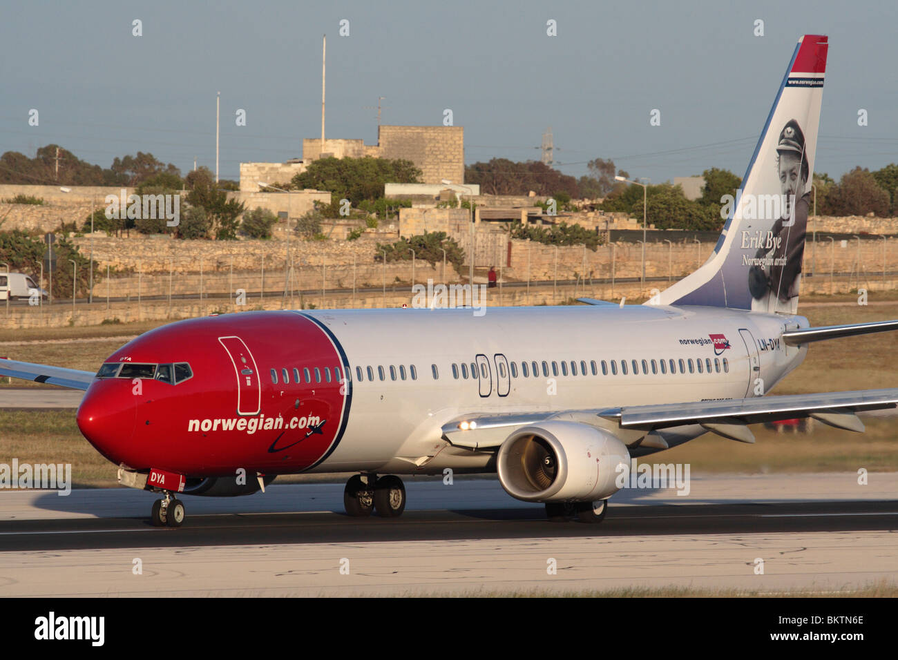 Norwegische Airways (ehemals Norwegian Air Shuttle) Boeing 737-800 Airliner abnehmen Stockbild