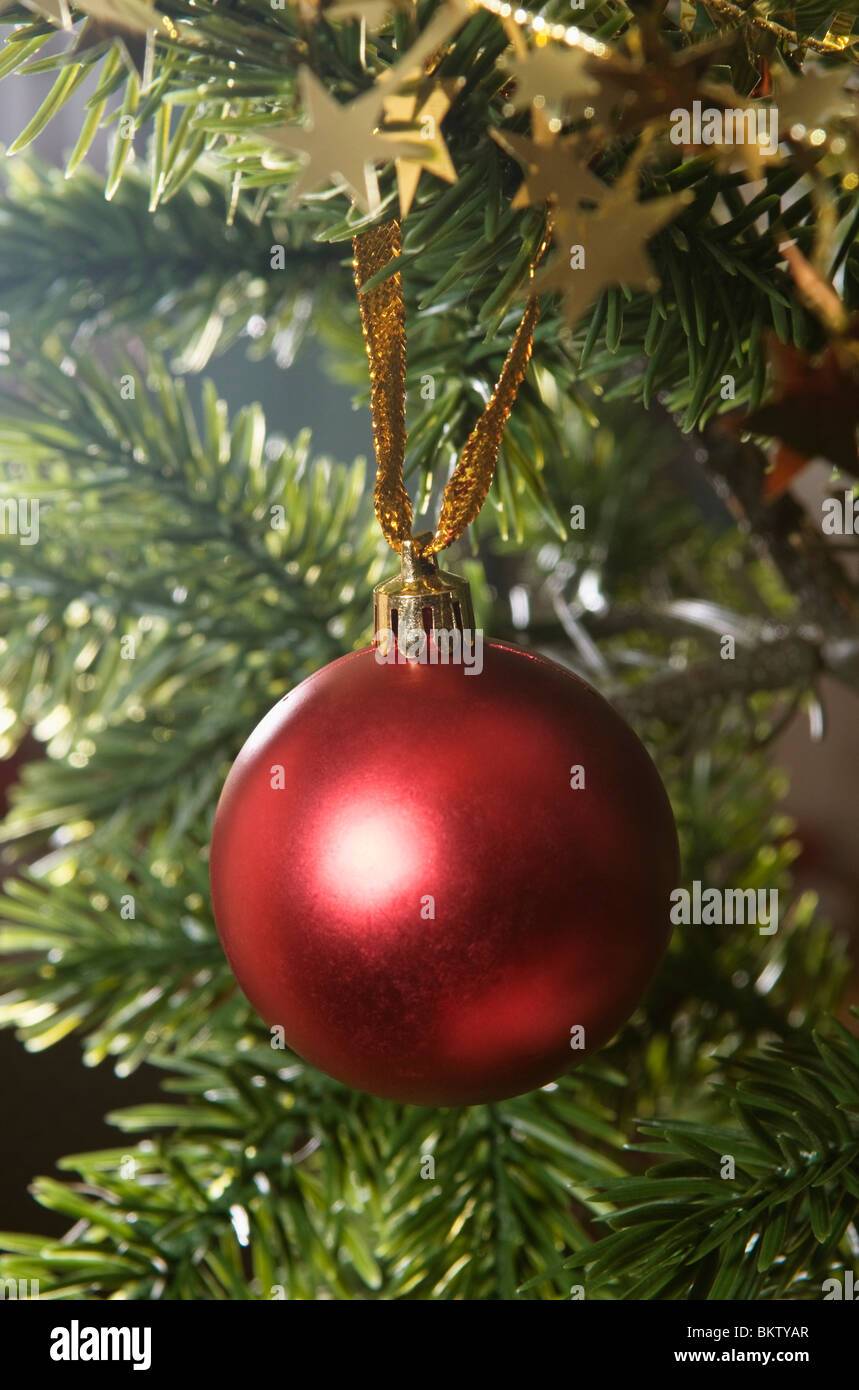 Christmas Tree Red Balls In Stockfotos & Christmas Tree Red Balls In ...