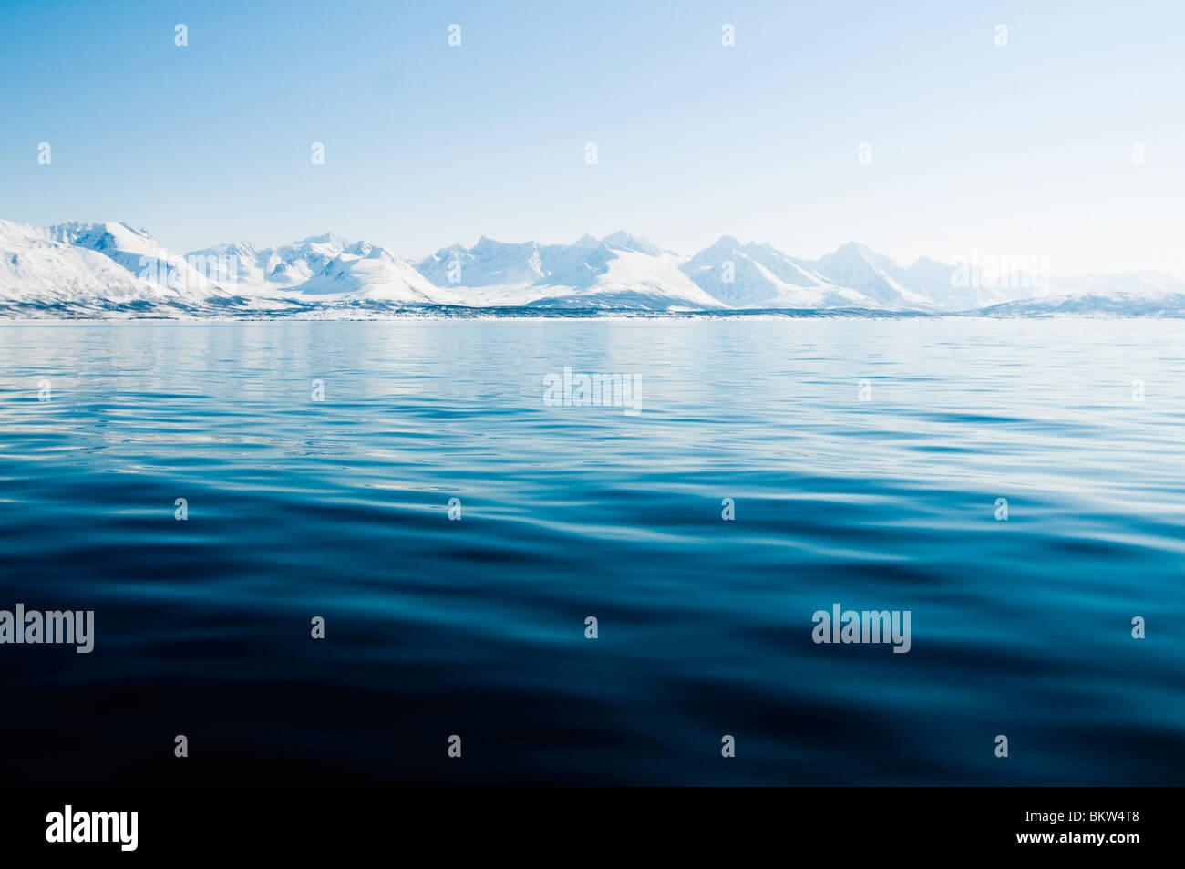 Wasser und Eis Berg Stockbild