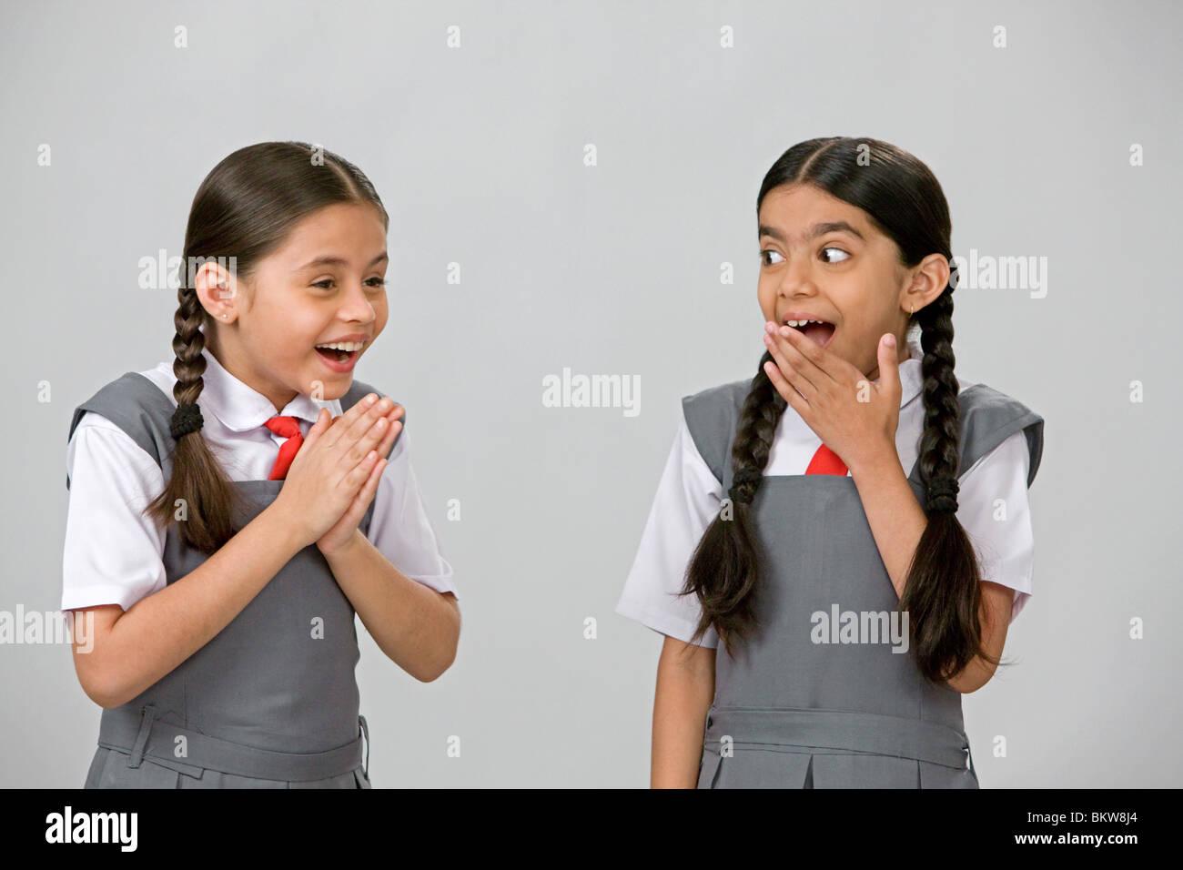 Zwei Rollige College-Girls